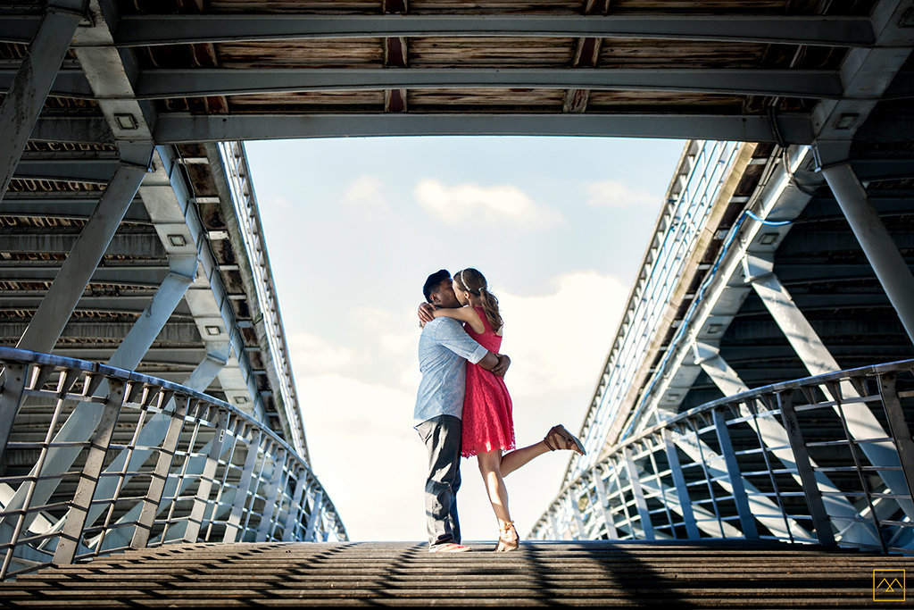 Amedezal-wedding-photographe-mariage-love-session-french-kiss-pont-paris-bonheur