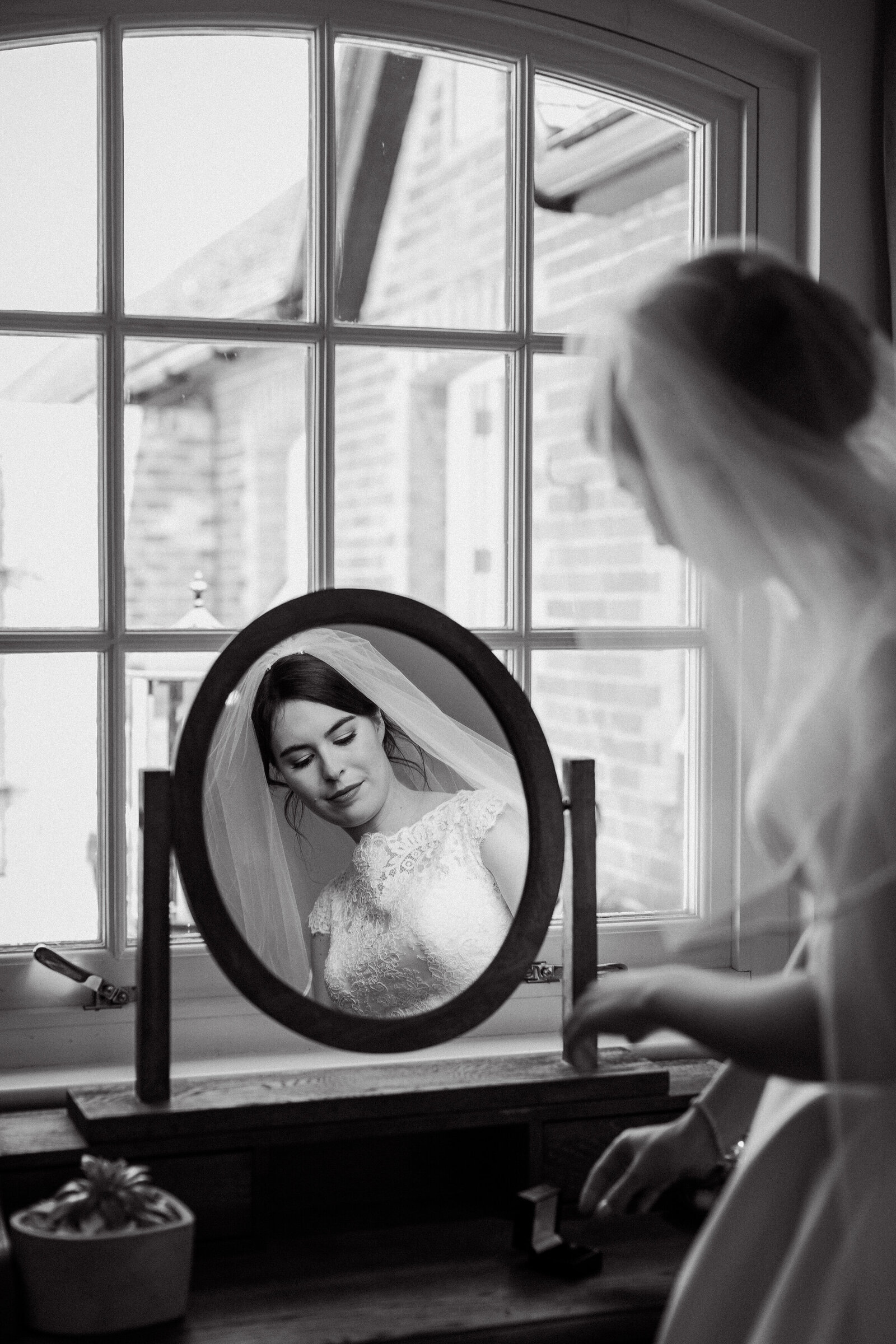 adorlee-318-southend-barns-wedding-photographer