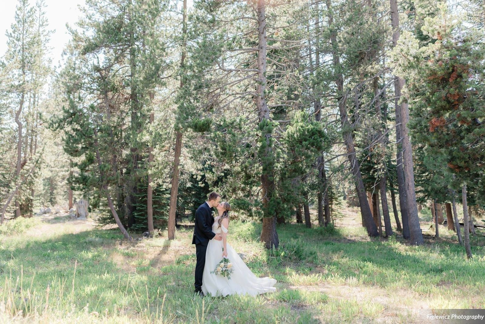 Garden_Tinsley_FiglewiczPhotography_LakeTahoeWeddingSquawValleyCreekTaylorBrendan00072_big