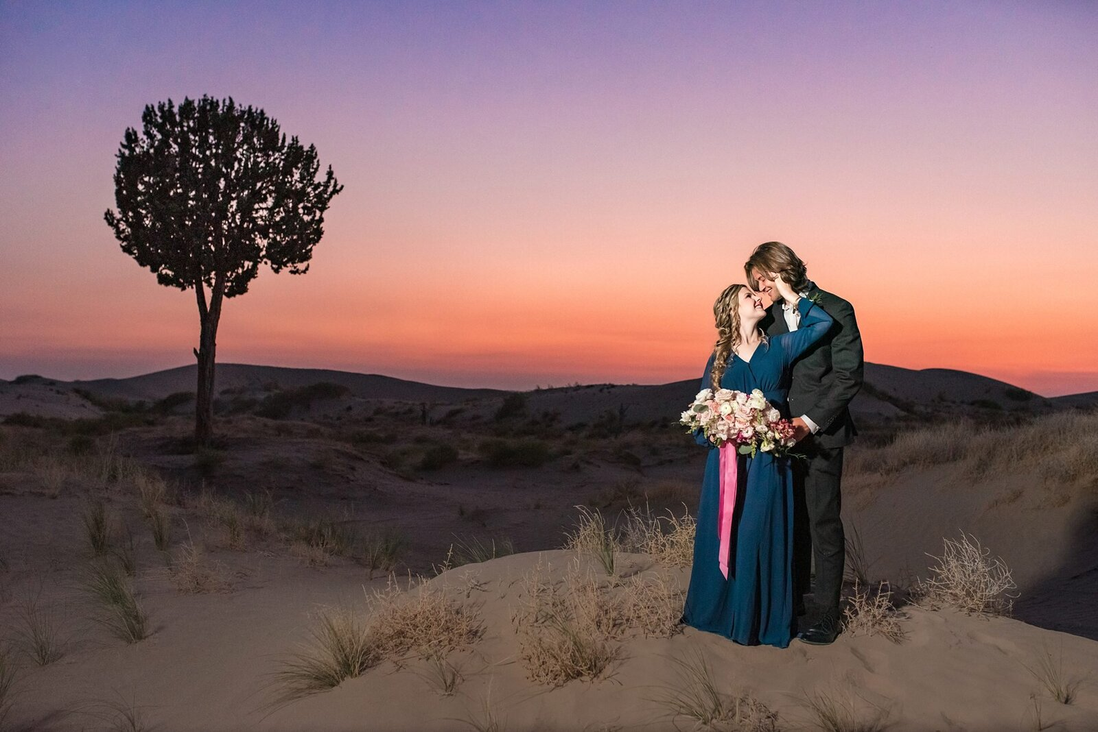 8 Little Sahara Sand Dunes Milkyway Engagement Session_003