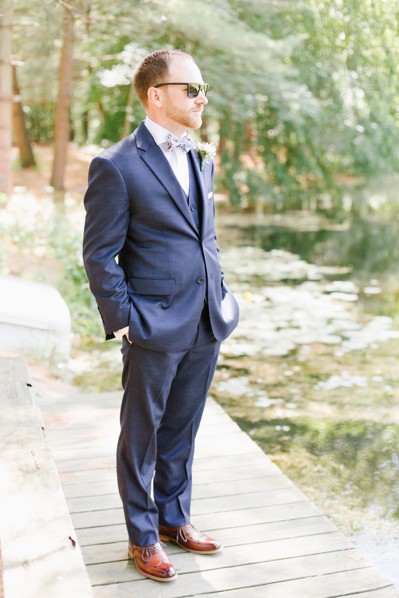 groom-portrait-Pats-30-Acres-Wedding-Photographer-JDMP-27