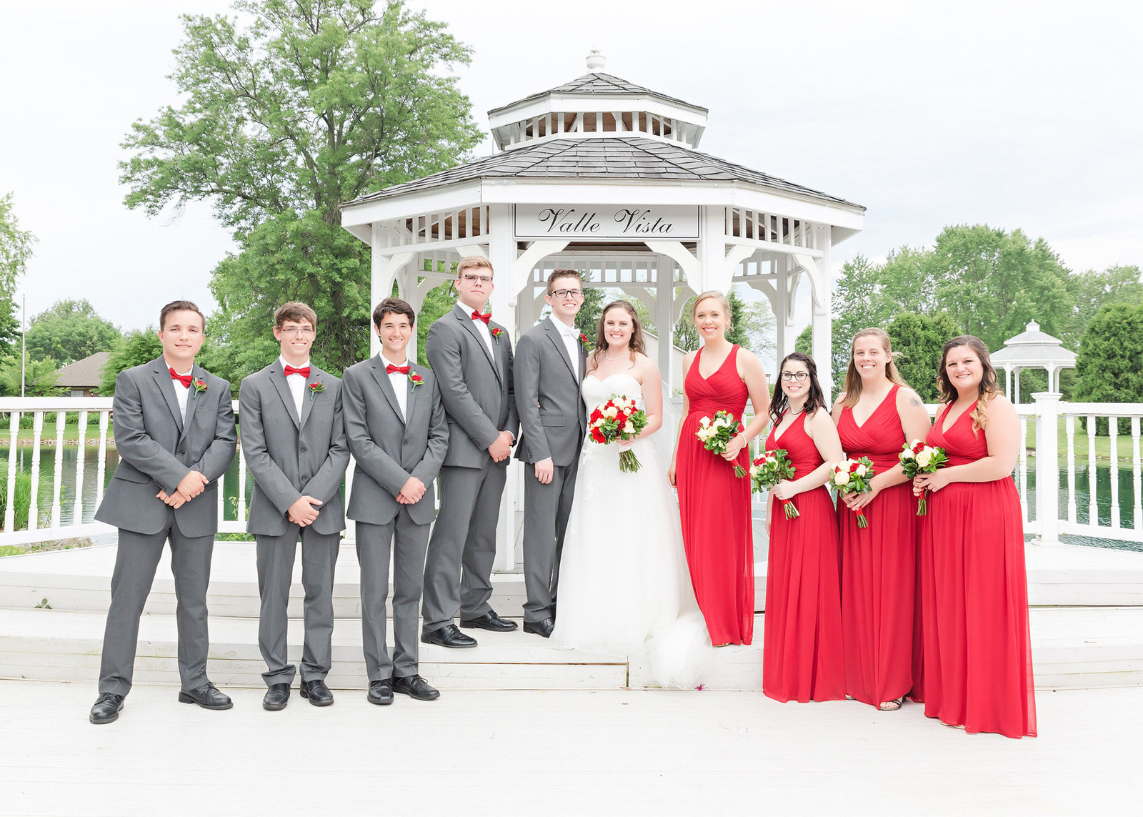 Valle Vista Indianapolis wedding bridal party red and charcoal photo by Simply Seeking Photography