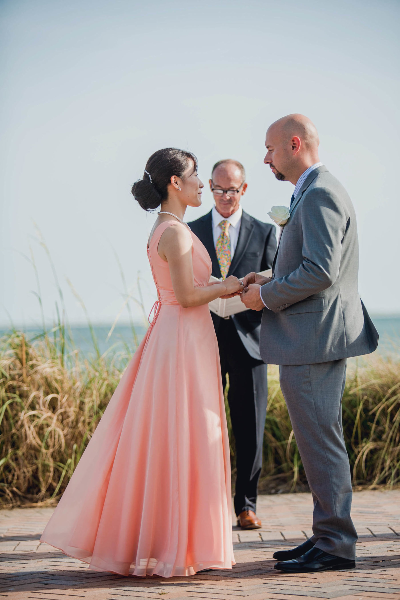 Bride and groom exchange vows, Seabrook Island Club, Charleston, South Carolina