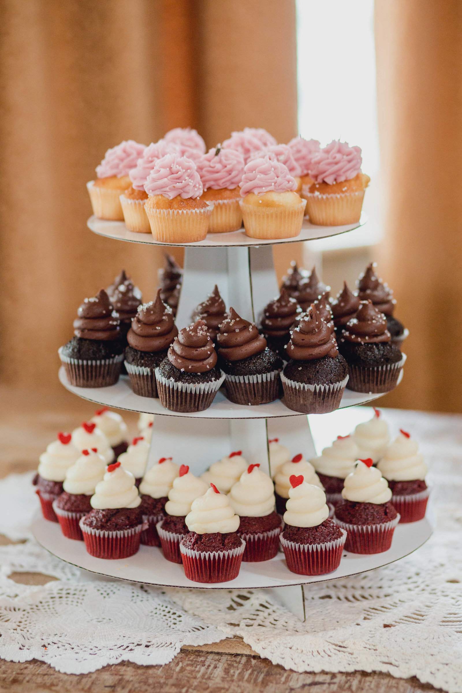 cupcake-reception-creek-club-ion-charleston-sc-lowcountry-wedding-kate-timbers-photography-8289