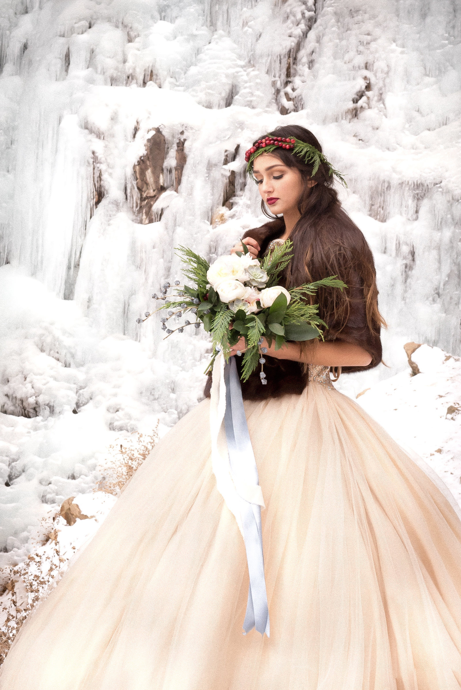 Kamera Lynn Photography Winter Cranberry Floral Crown Velvet Cake Frozen Waterfall Bridal Photoshoot_0008