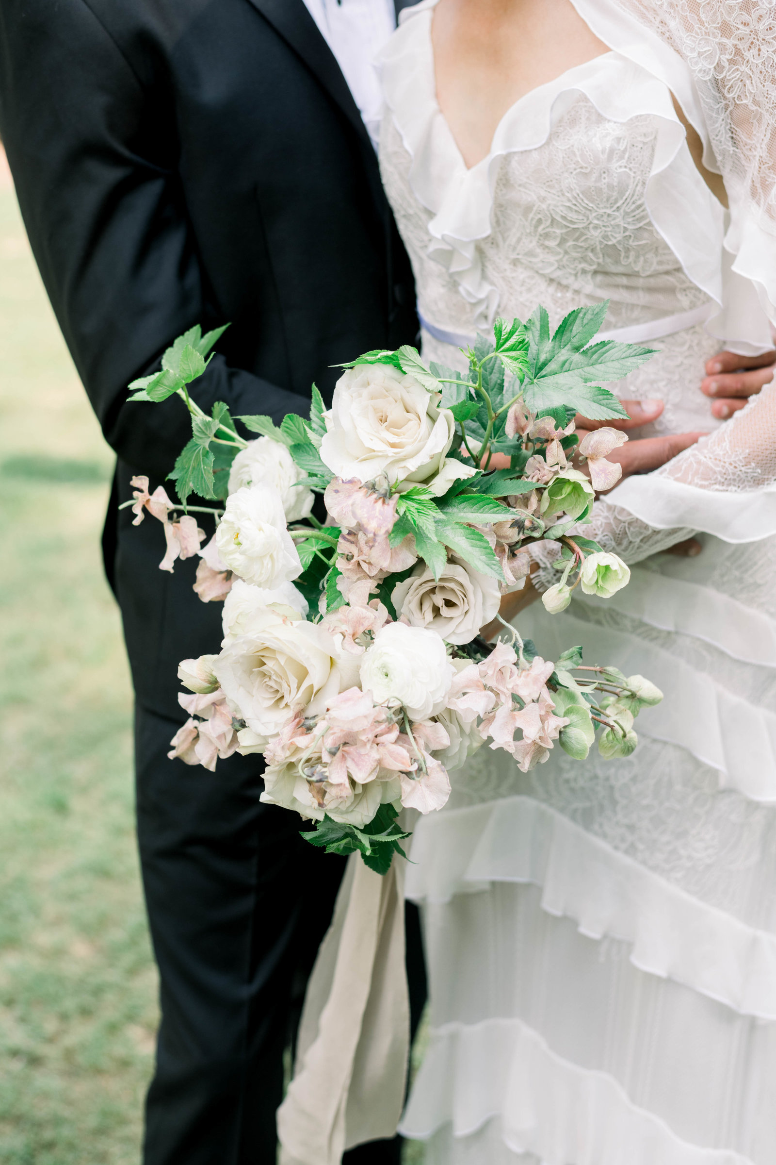 Fine Art Wedding with blush and cream florals at the Swan House in Atlanta by Liz Andolina Photography