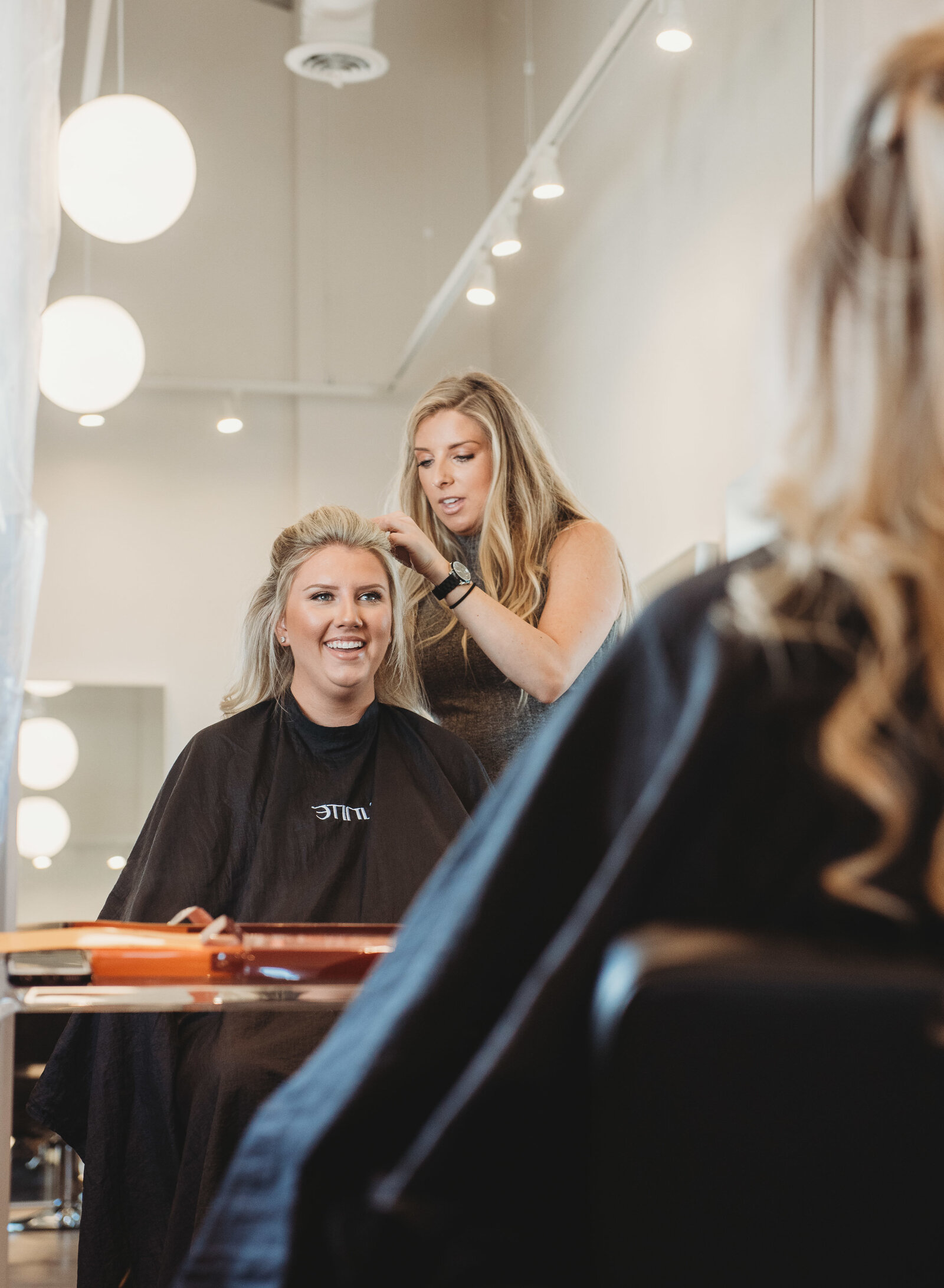 wedding-bride-getting-ready-elgin
