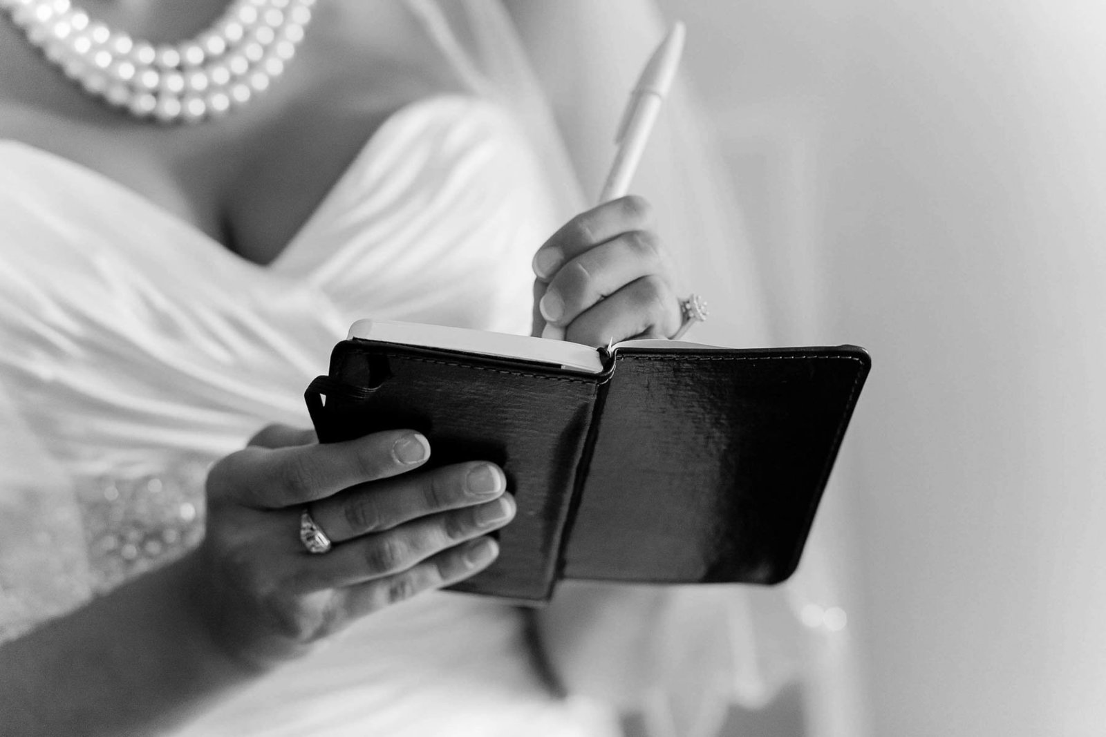 Bride writes love note for first meeting, Doubletree Hotel, Wilmington, Delaware. Kate Timbers Photography.