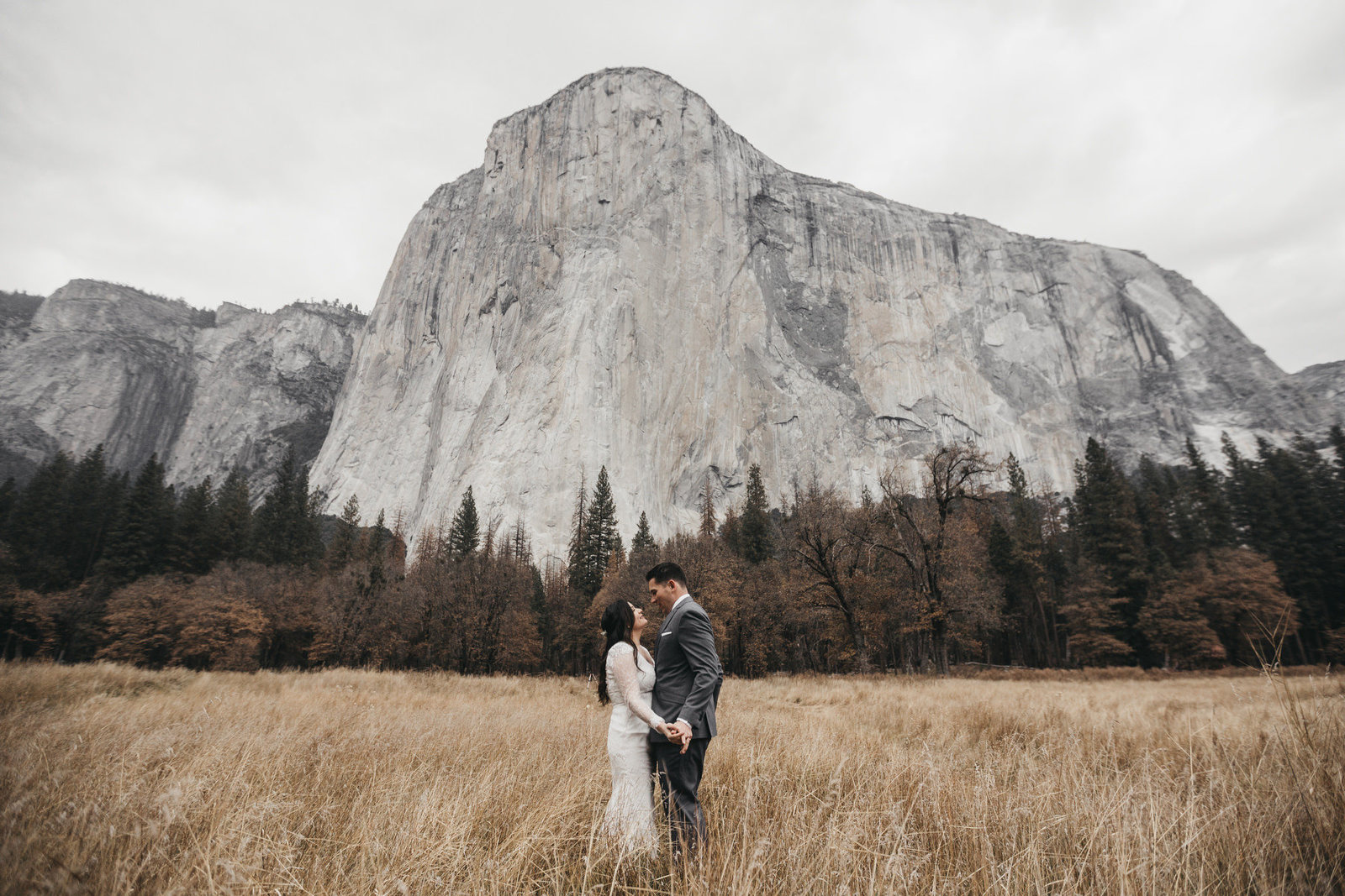 athena-and-camron-yosemite-elopement-wedding-photographer-elegent-valley-wedding31-first-dance