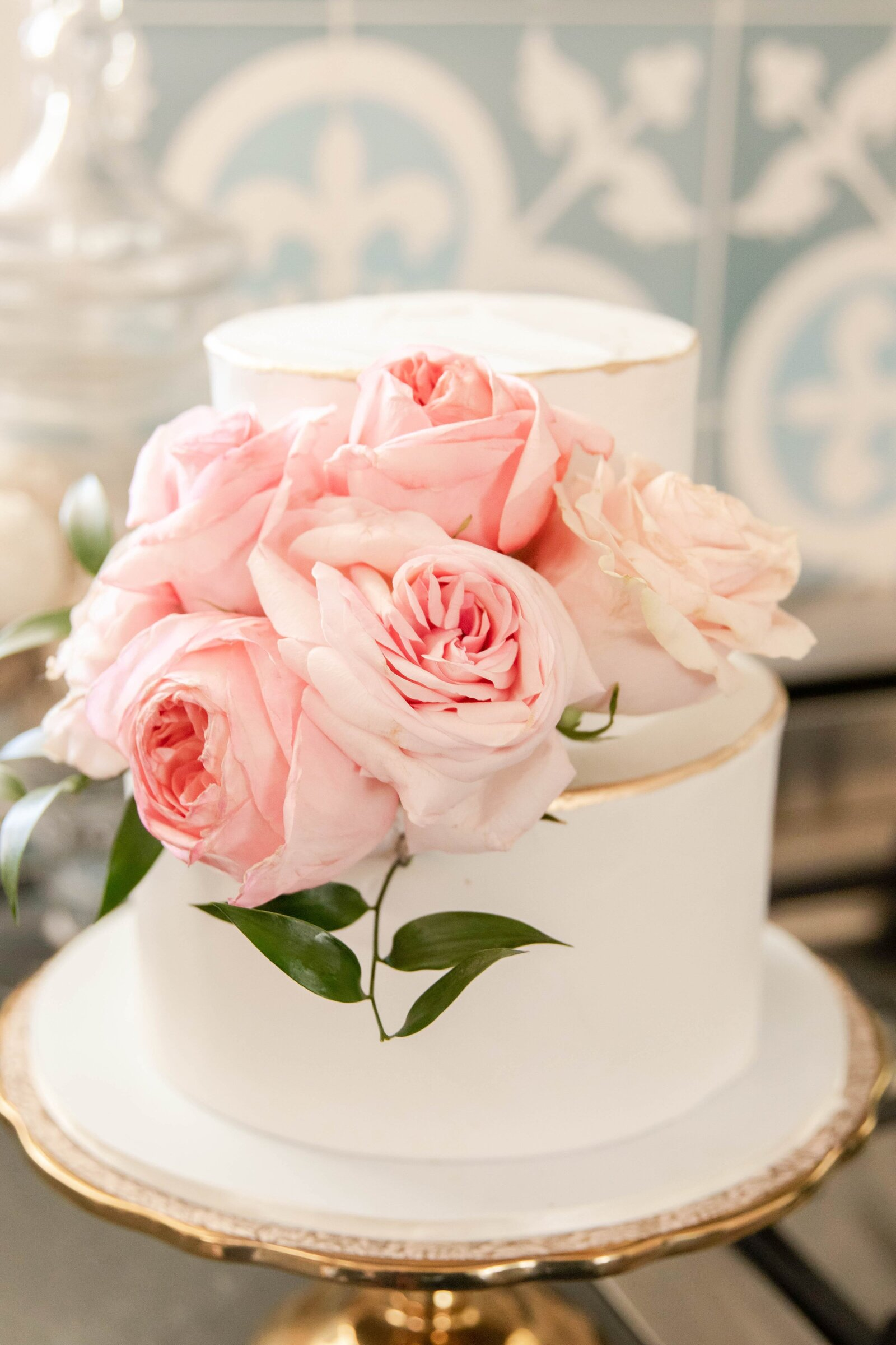 wedding-cake-with-pink-flowers