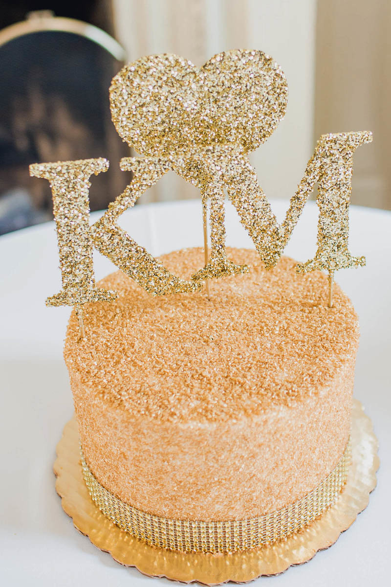 Glitter cake is ready for reception, Bellevue Hall, Wilmington, Delaware