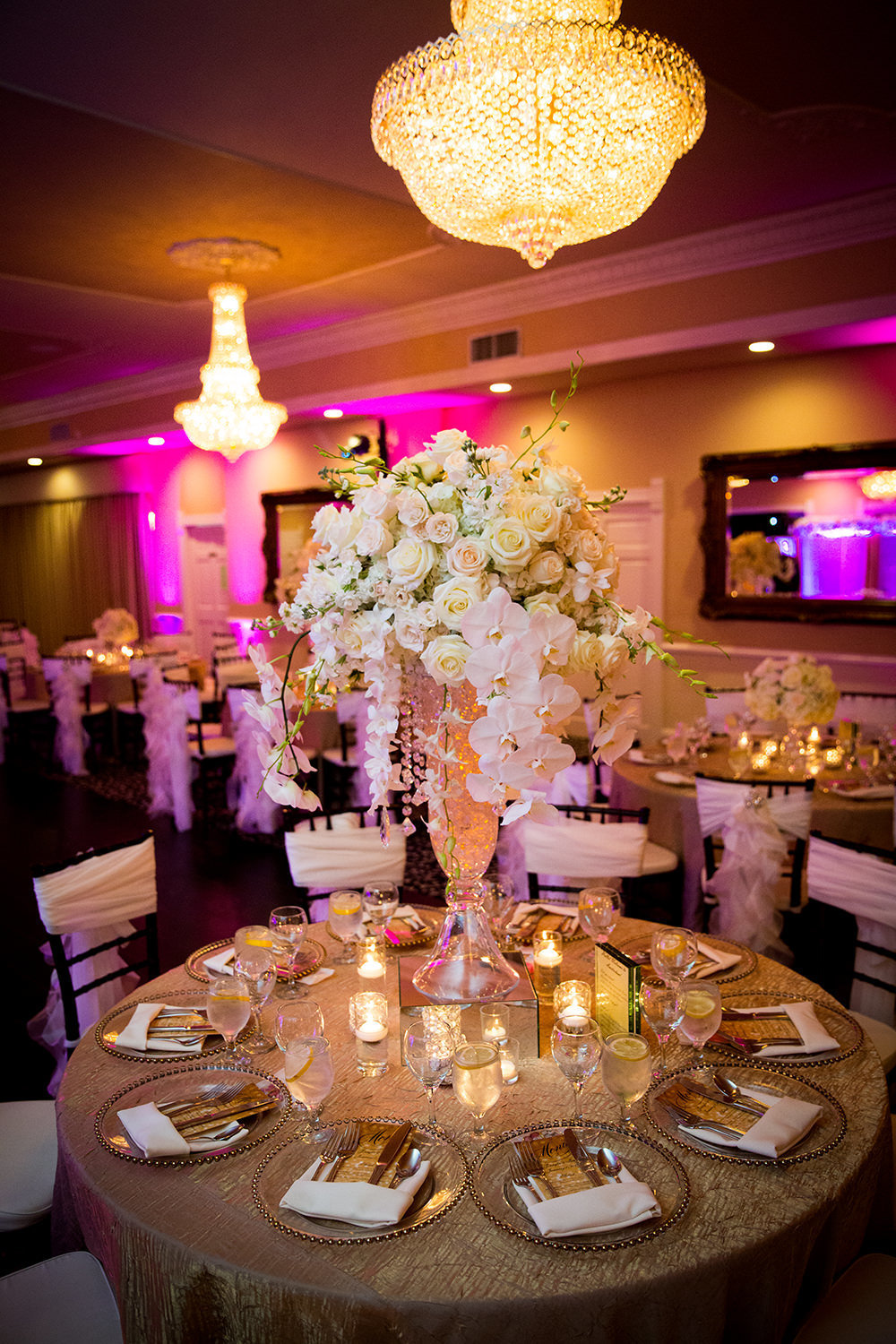 Beautiful table centerpieces at Grand Tradition Beverly Mansion