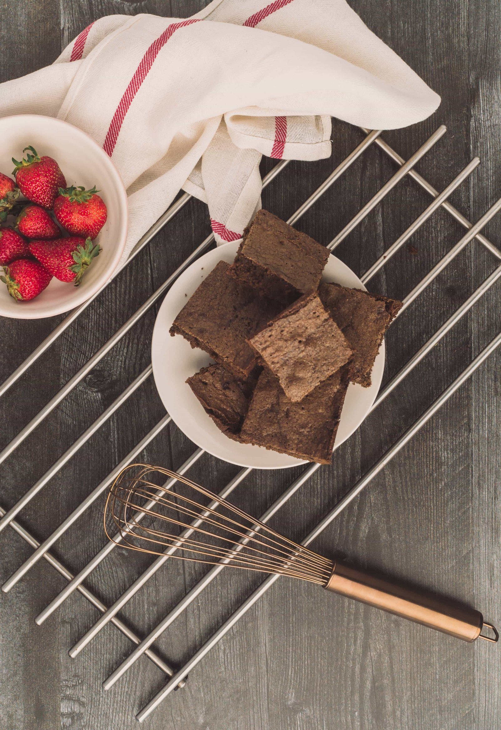 Atelier21 Co - Brownies with Strawberries-010