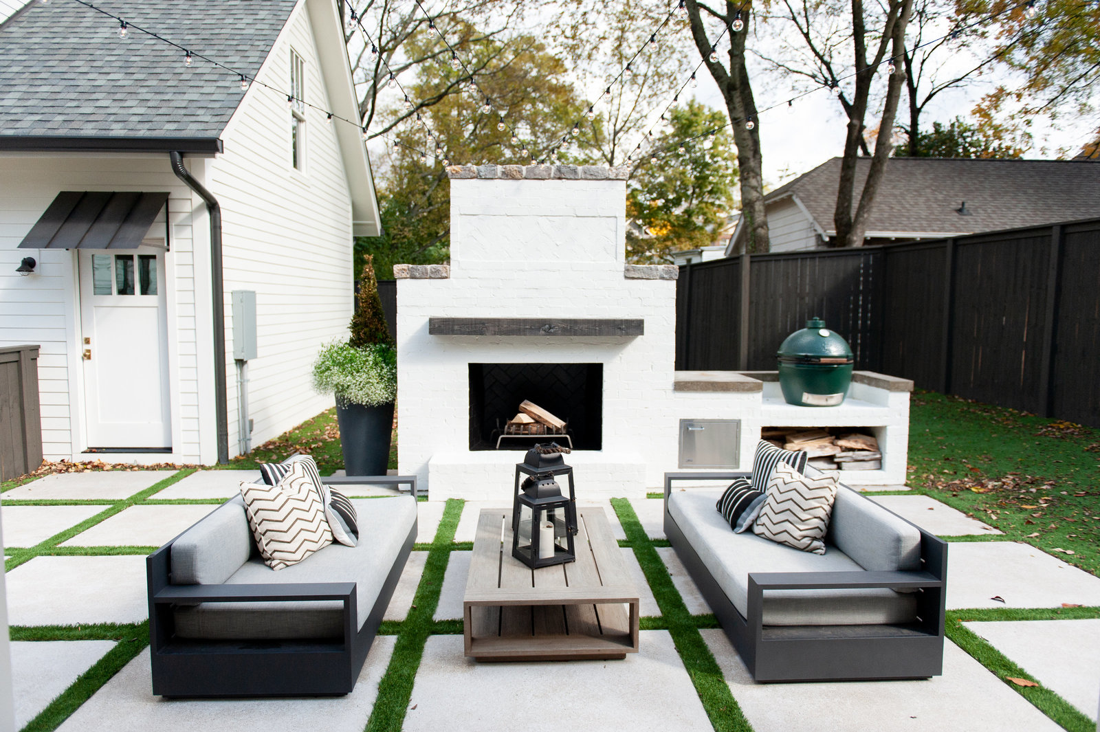 outdoor-living-porch-modern-onyxandalabaster