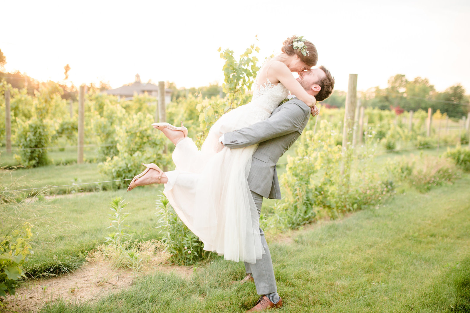 columbiana-vineyards-at-pine-lake-wedding-allison-ewing-photography-012-1