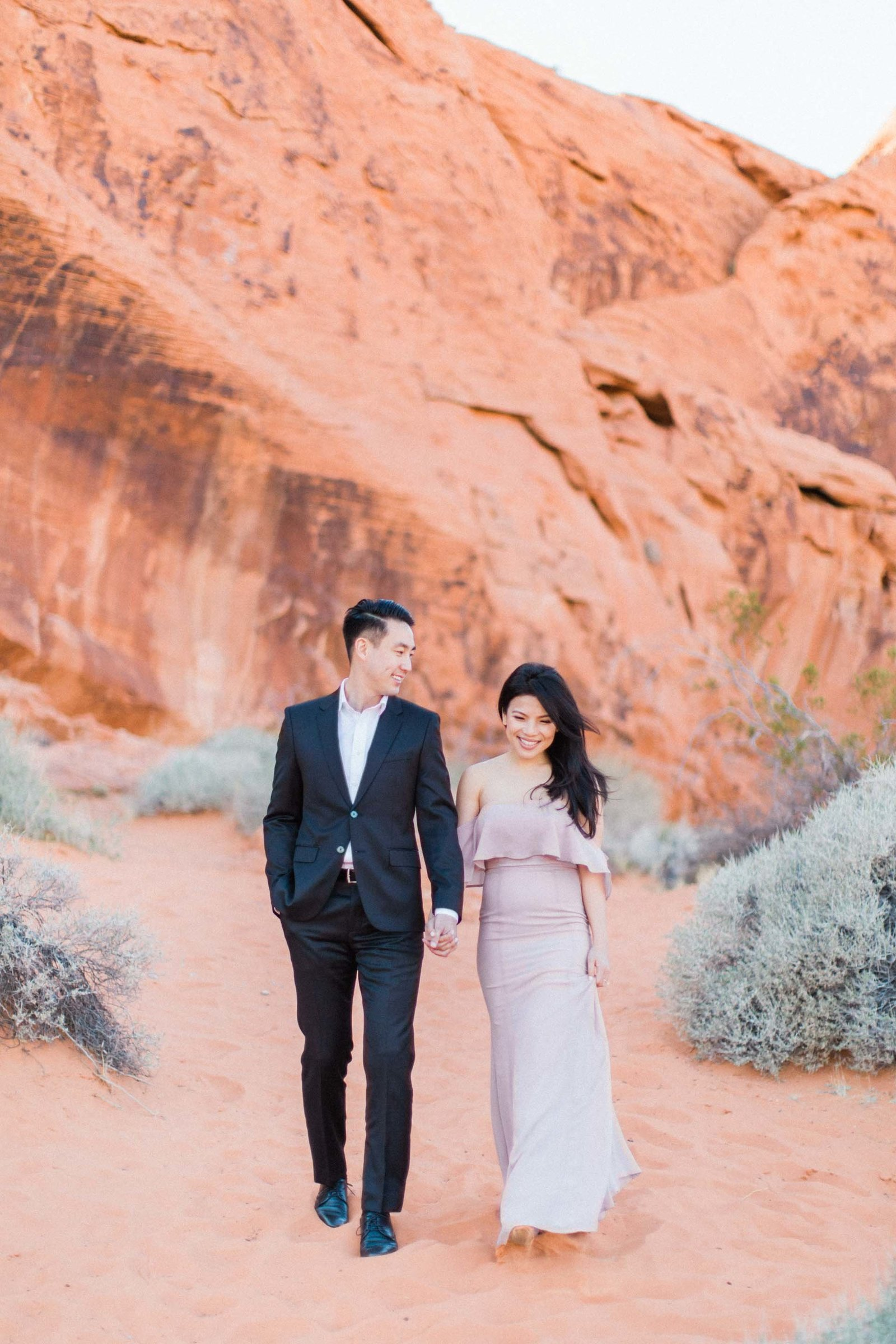Valley-of-Fire-Las-Vegas-Engagement-Photographer-6-DT