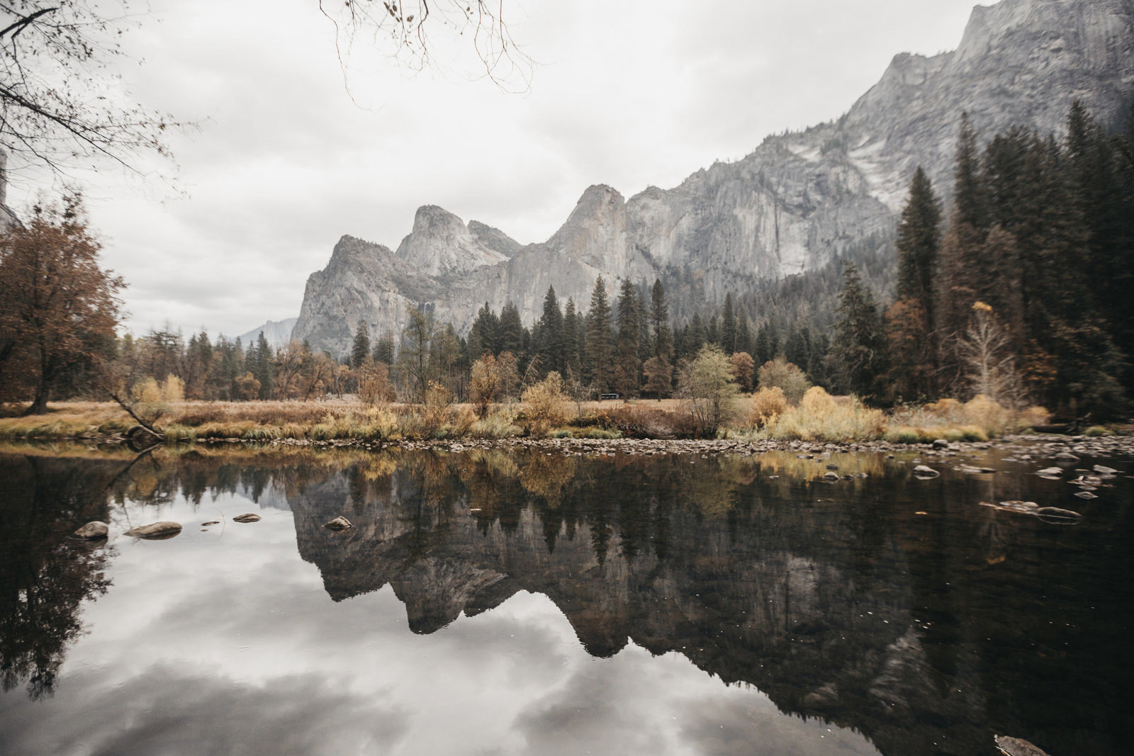 athena-and-camron-yosemite-elopement-wedding-photographer-elegent-valley-wedding34