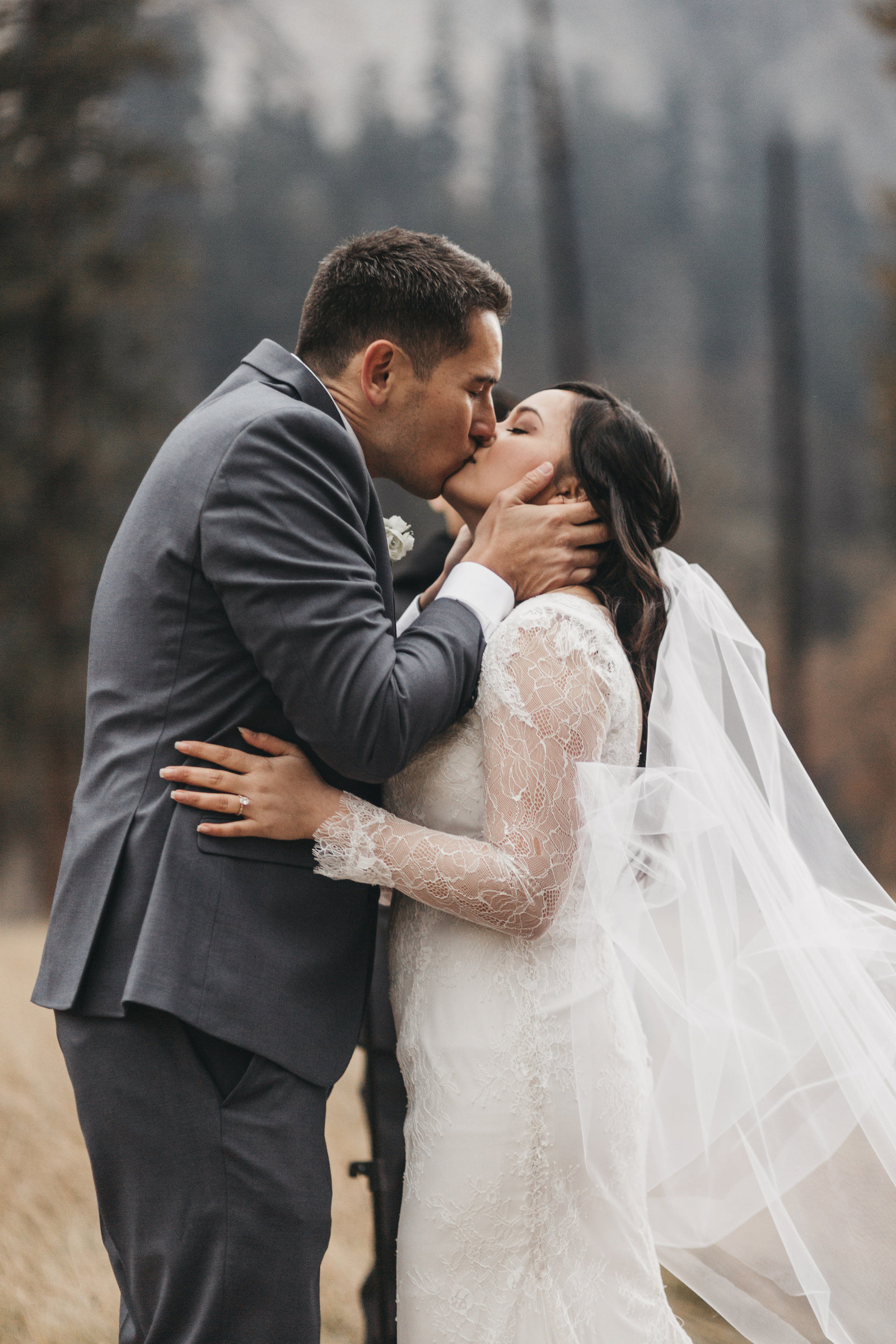 athena-and-camron-yosemite-elopement-wedding-photographer-elegent-valley-wedding19