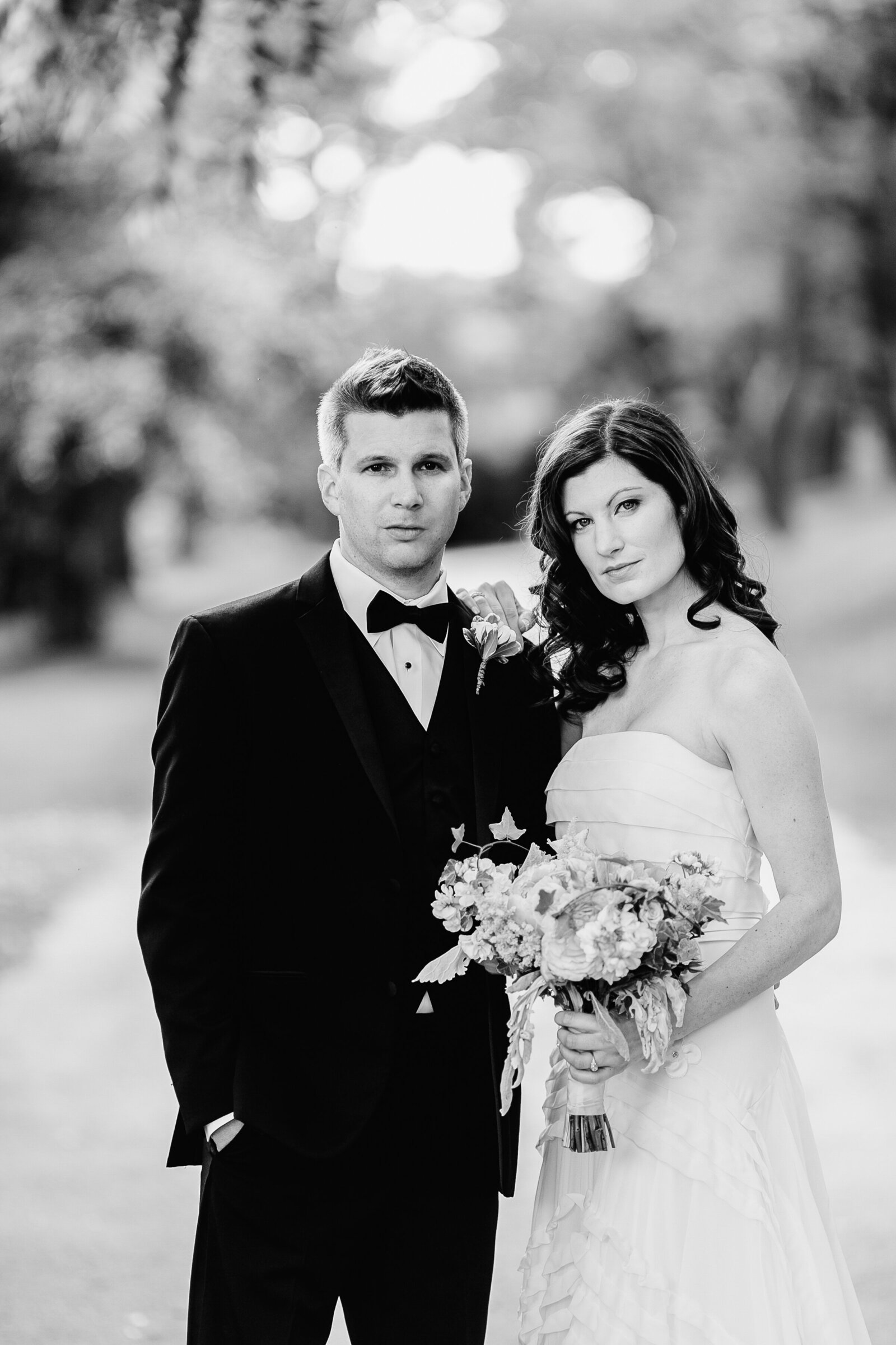 classic black and white images bride and groom