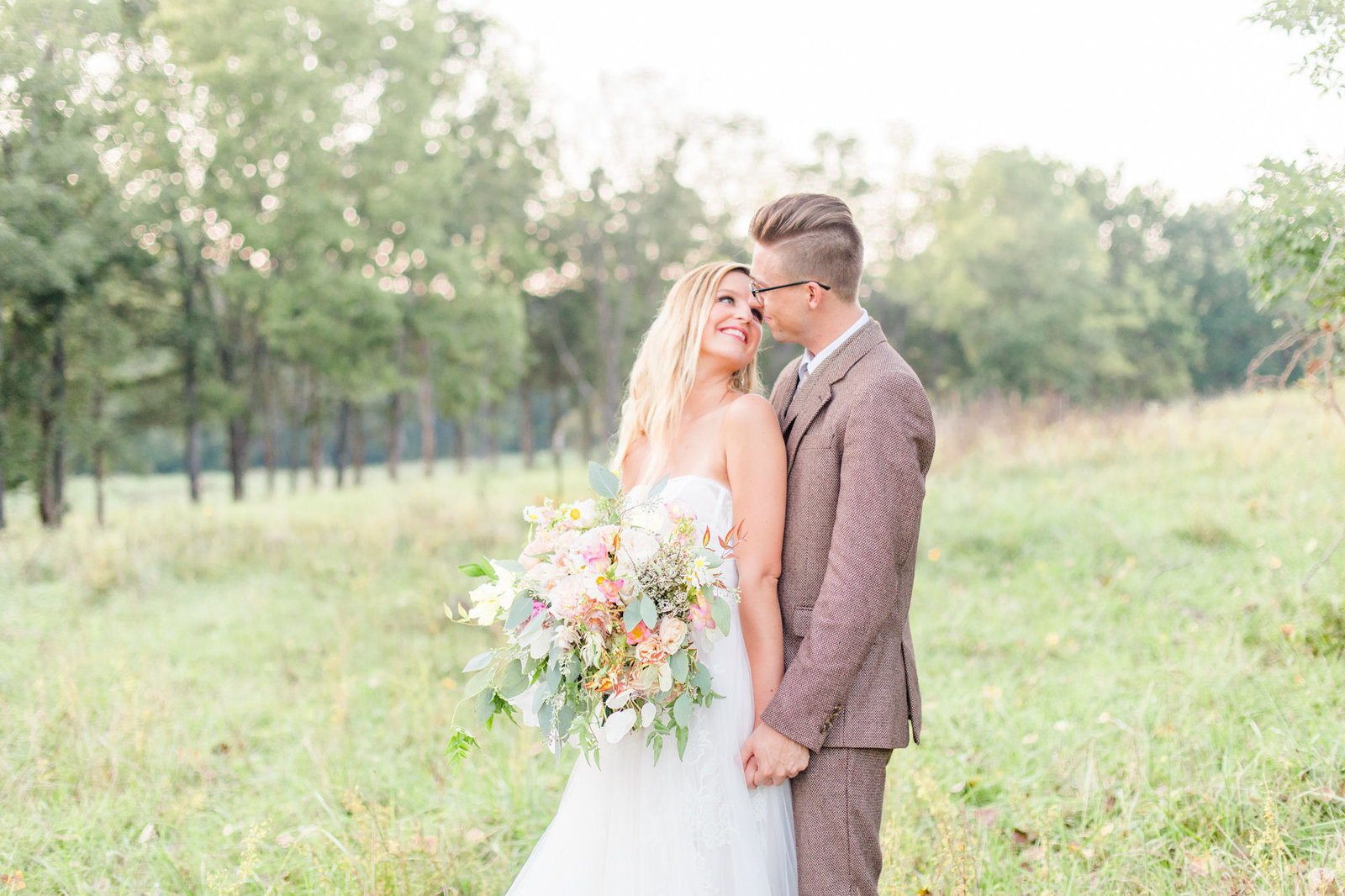 st-louis-wedding-photographer-haue-valley-weddings-barn-field-romantic-alton-belleville-67
