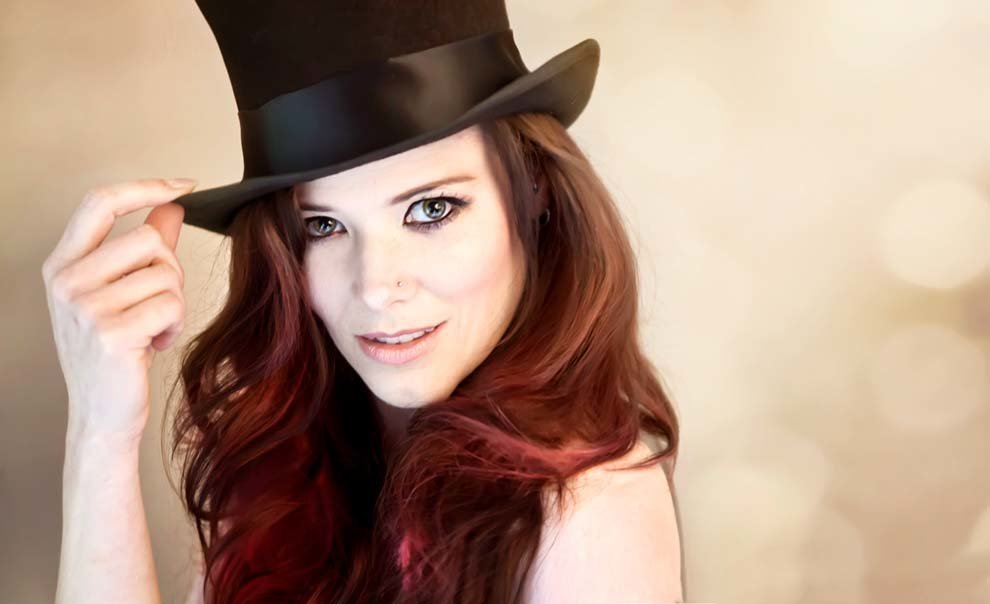Woman-in-Tophat-copy