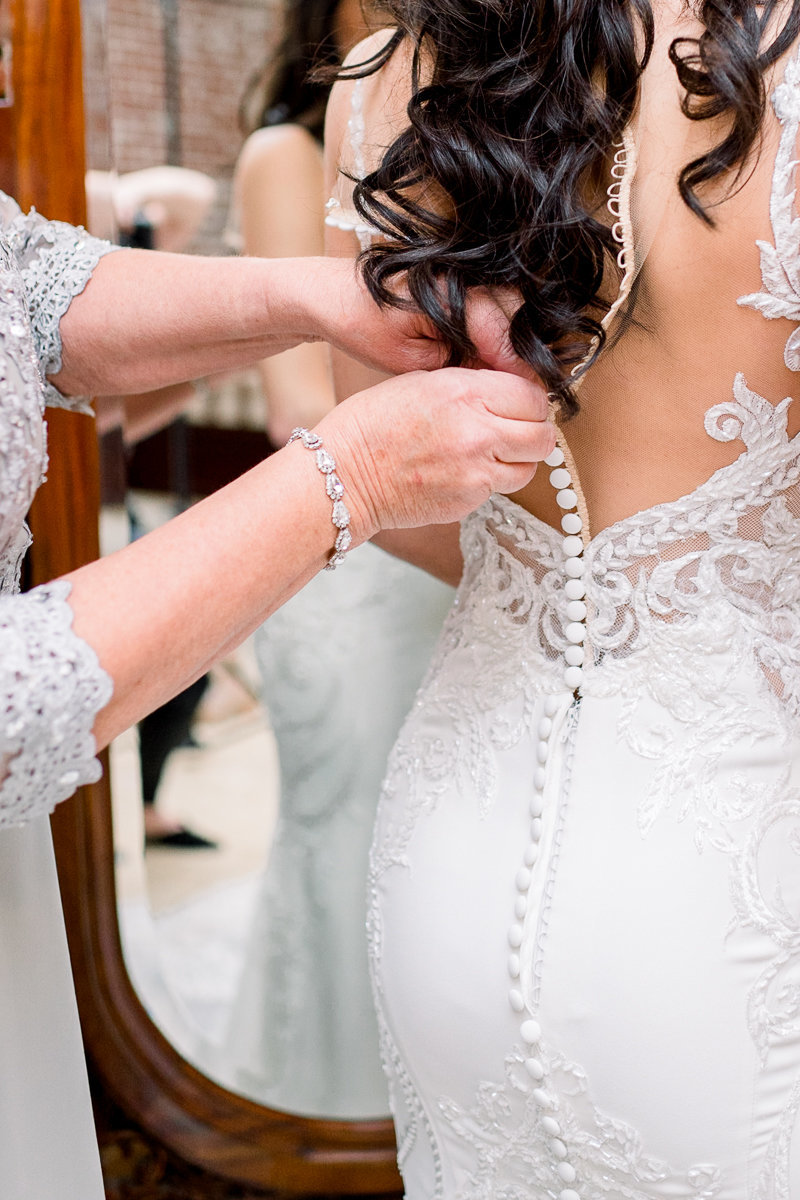 Orlando Wedding Photographer | Town Manor Wedding | Bride Getting Ready-6
