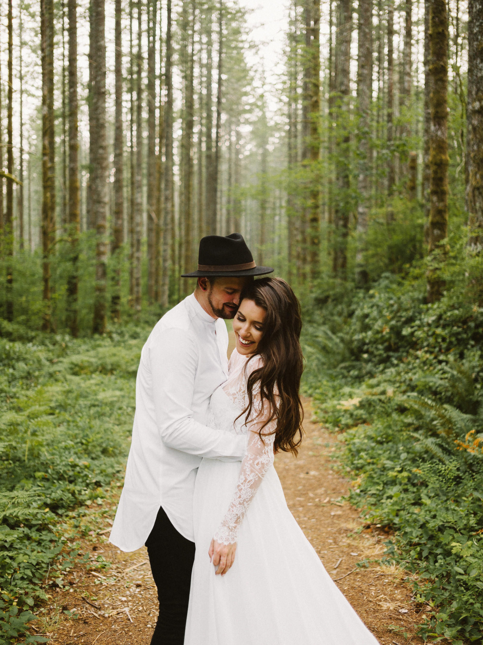 athena-and-camron-seattle-elopement-wedding-benj-haisch-rattlesnake-lake-christian-couple-goals17