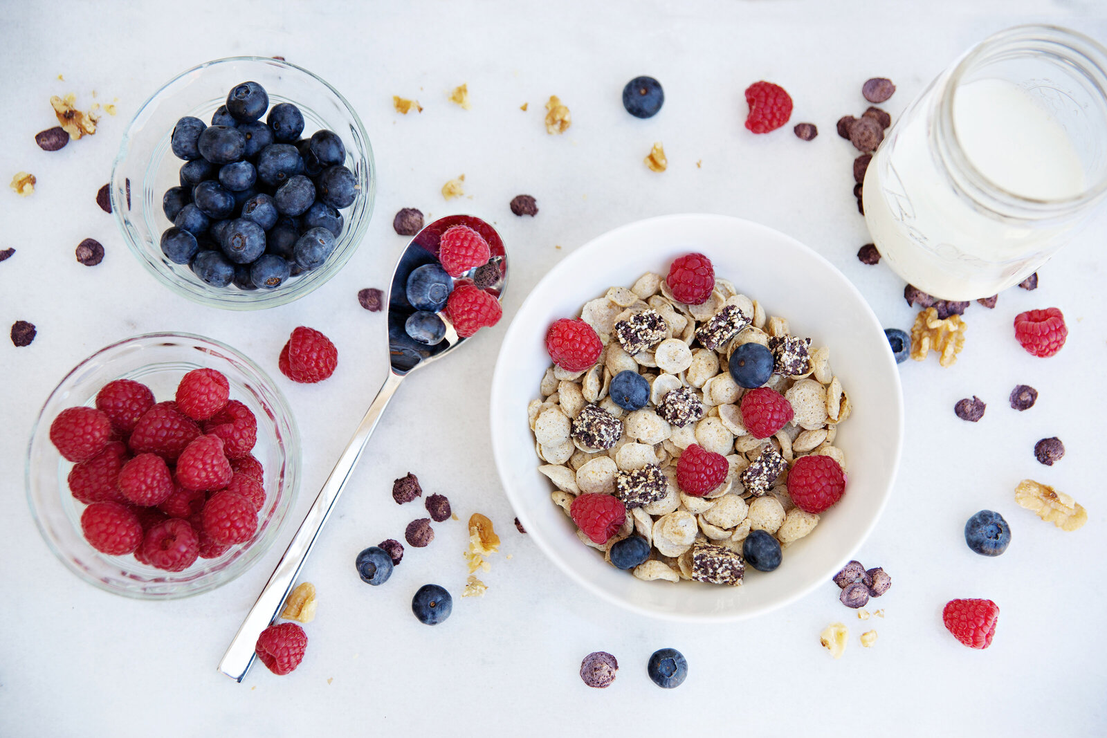 berries cereal product photography