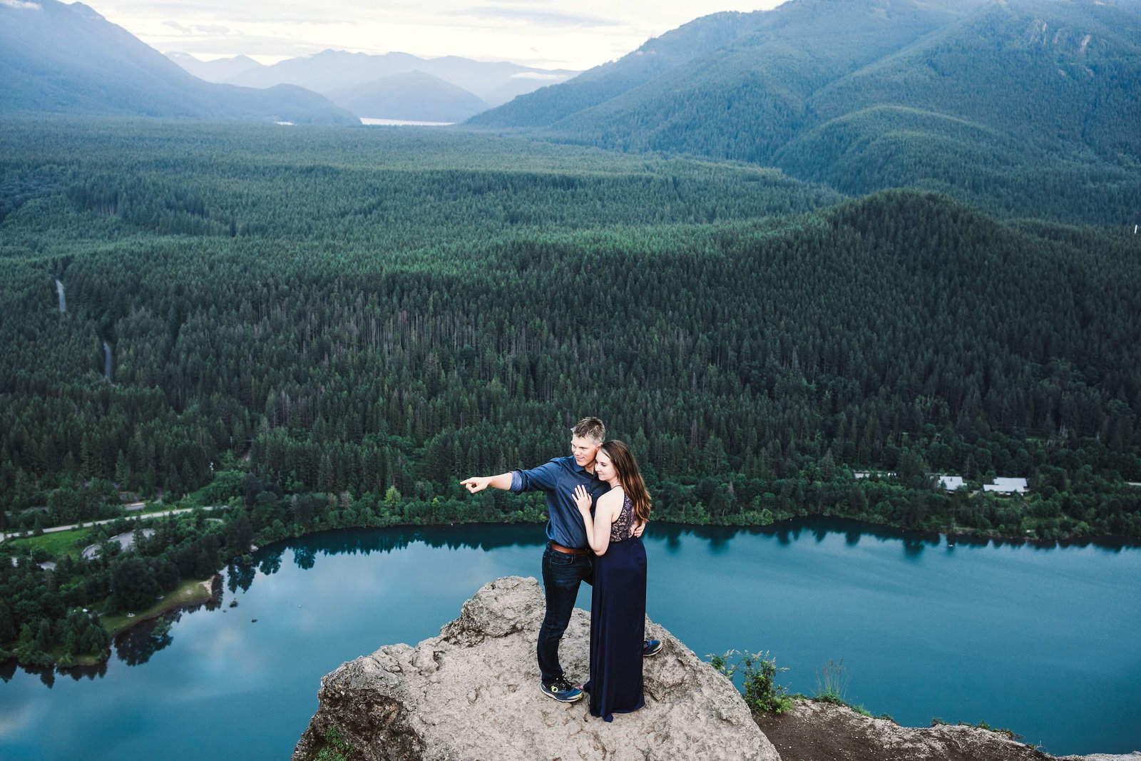 Eivind+Elyse_Engagement_Rattlesnake_lake_ridge_Seattle_Photographer_Adina_Preston_Weddings_203