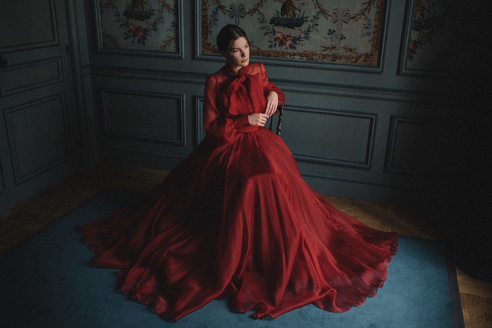 JoanneFlemingDesign-red-silk-dramatic-wedding-dress-davidwickhamphoto (13)