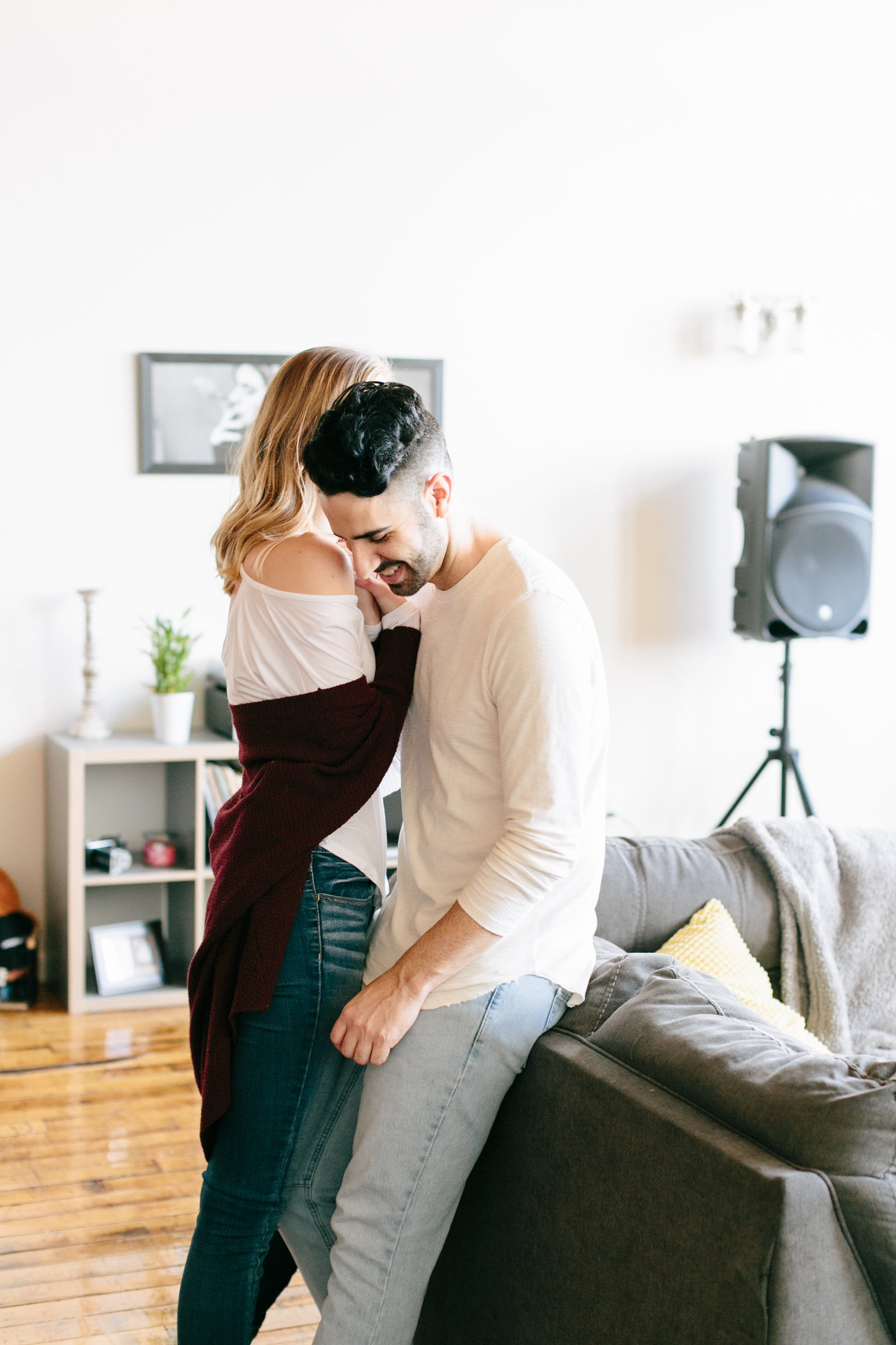 in-home-lifestyle-engagement-photography-rhodeisland0530