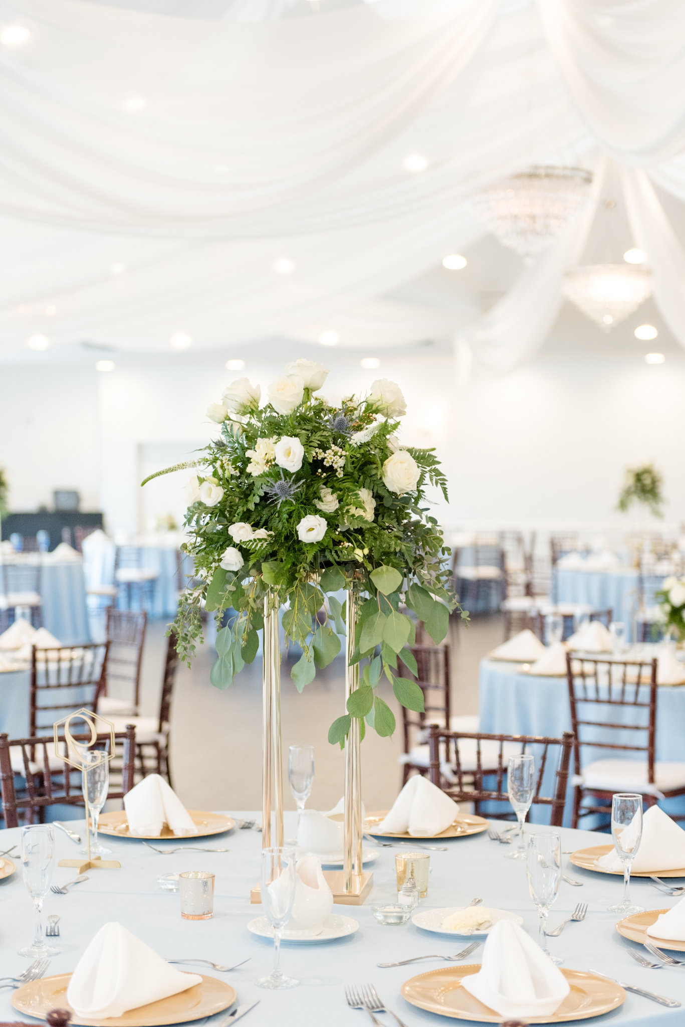 White and Blue Luxury Wedding 0034