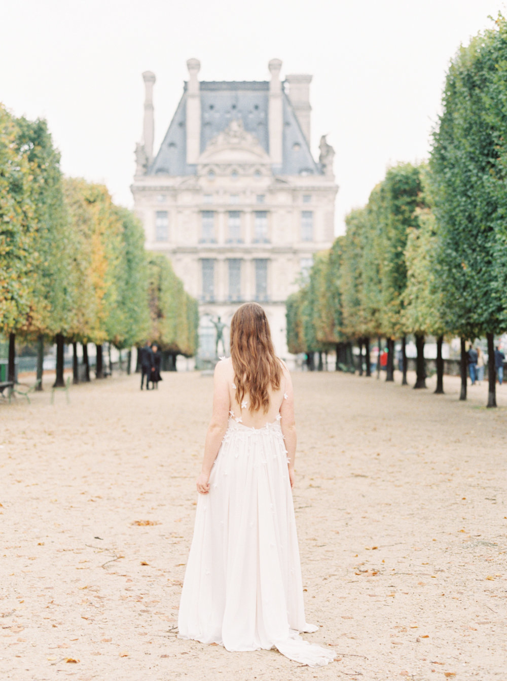 Paris elopement at the Louvre | Molly Carr Photography | Paris film photographer | France wedding photographer | Elopement in France | Elizabeth Leese gown