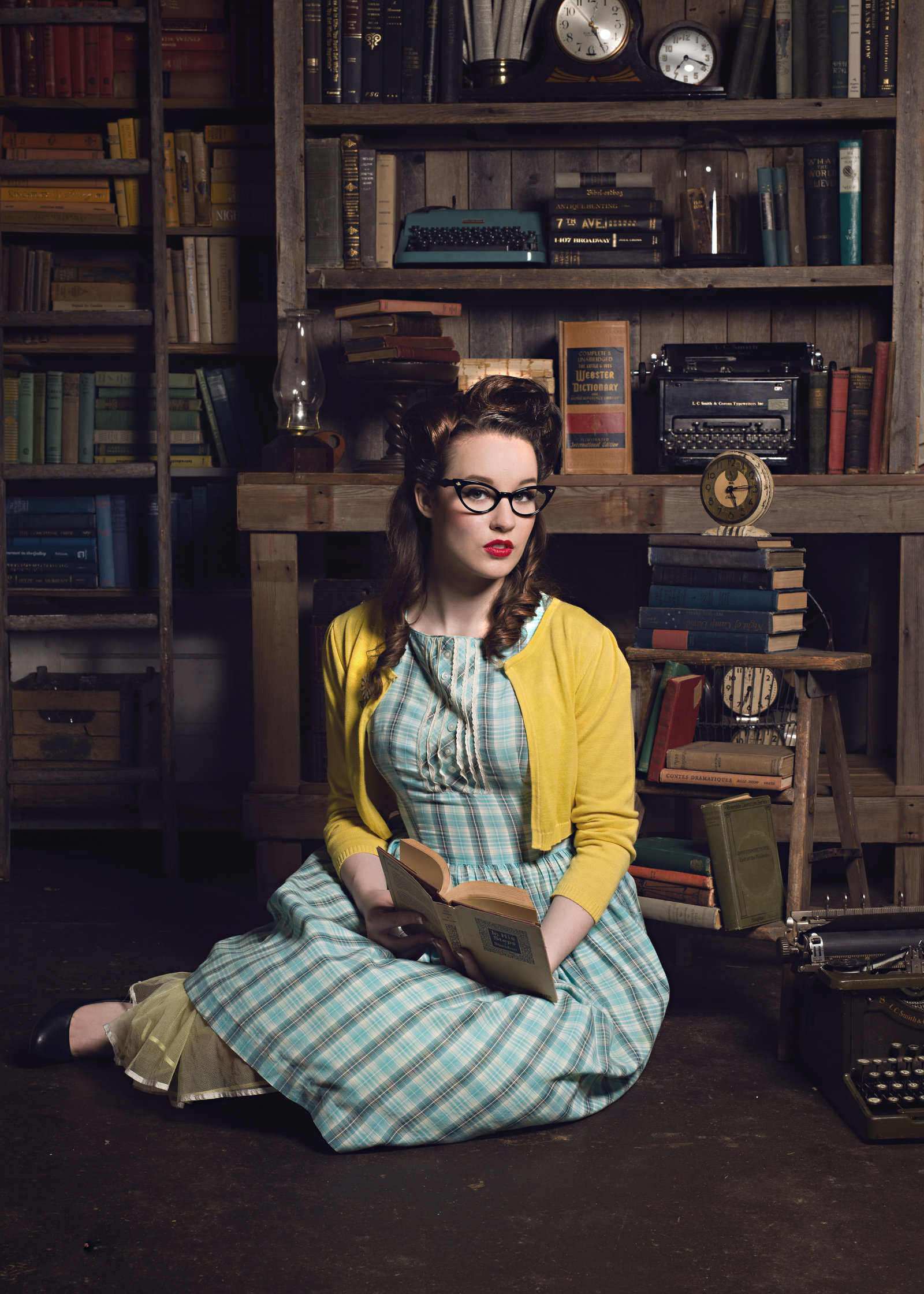 Creative Vintage Rockabilly Senior Pictures-10