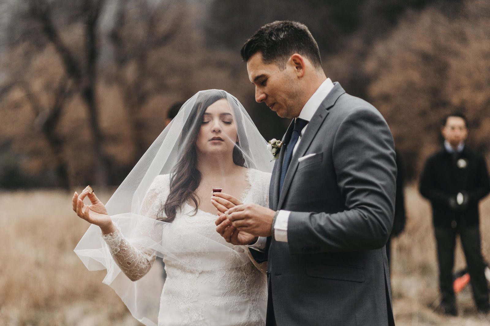 athena-and-camron-yosemite-elopement-wedding-photographer-elegent-valley-wedding15