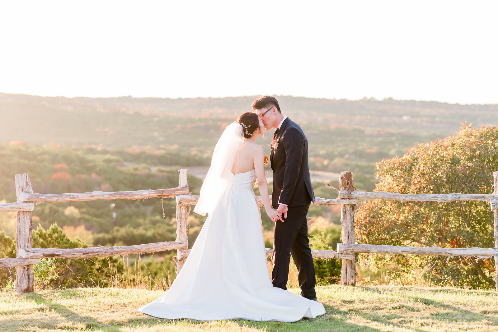 Dallas Wedding Photographer Portraits at Dove Ridge Vineyard