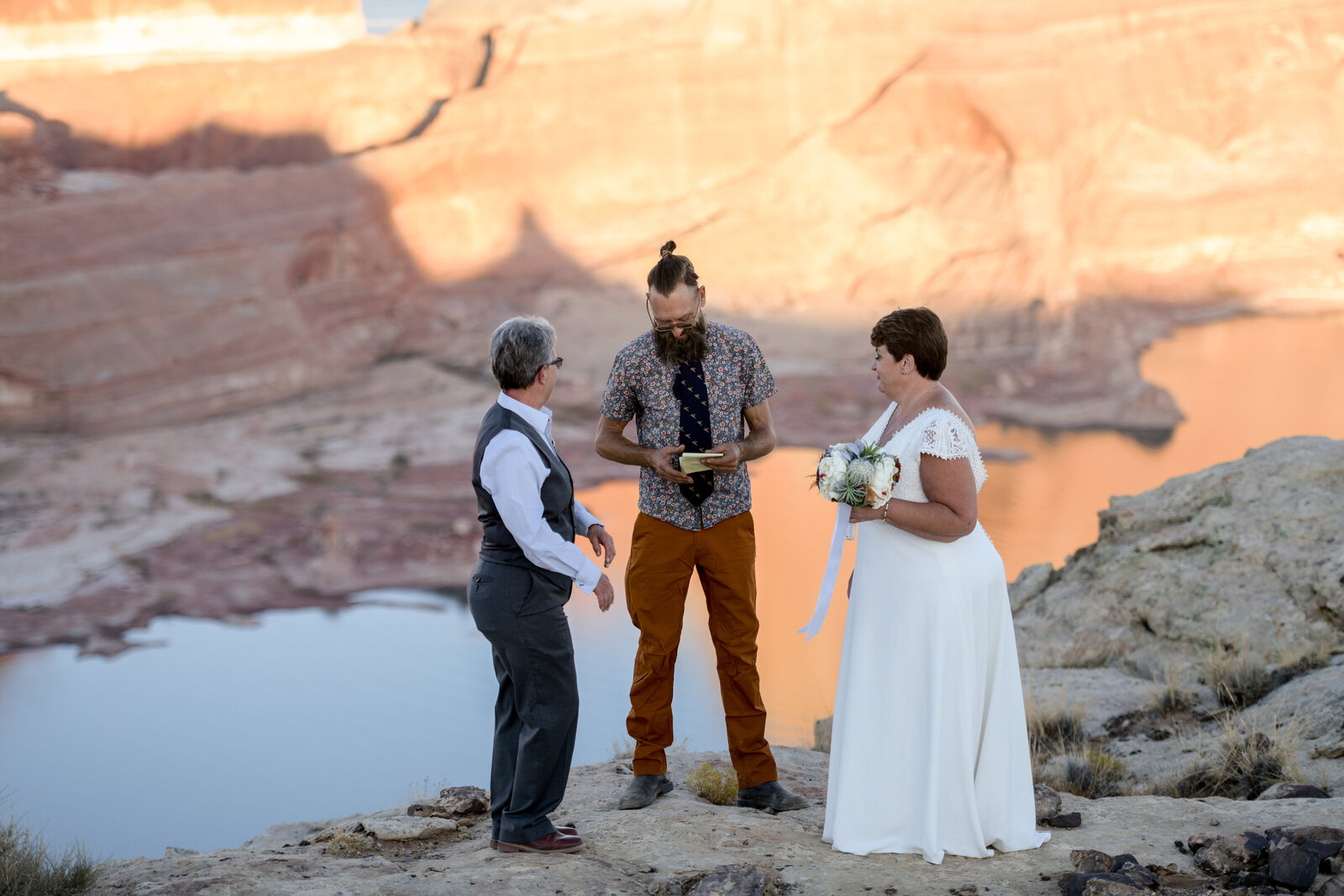 10.19.20 Elopement at Alstrom Point Vicky and Paige Photography by Terri Attridge-216