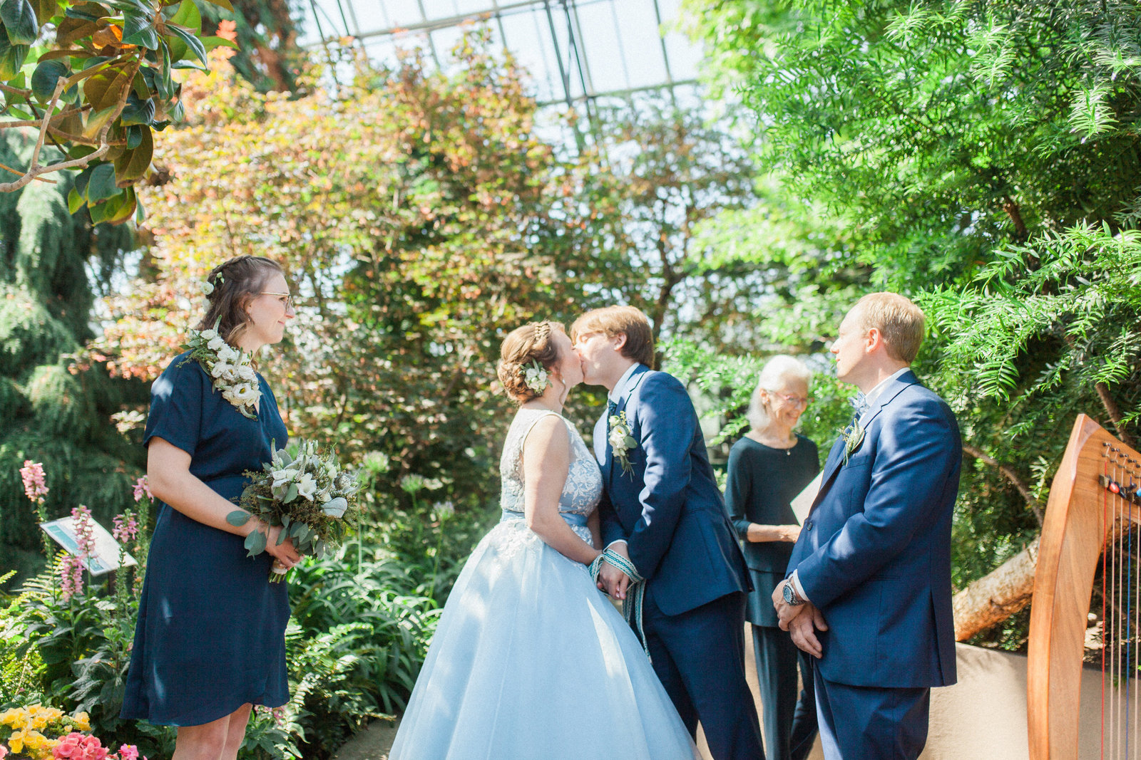 Muttart Conservatory Wedding - Edmonton Wedding Photographer32