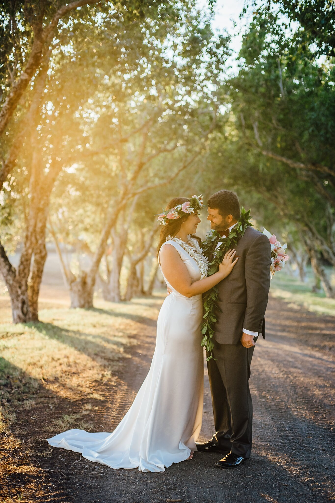 golden light at sunset wedding