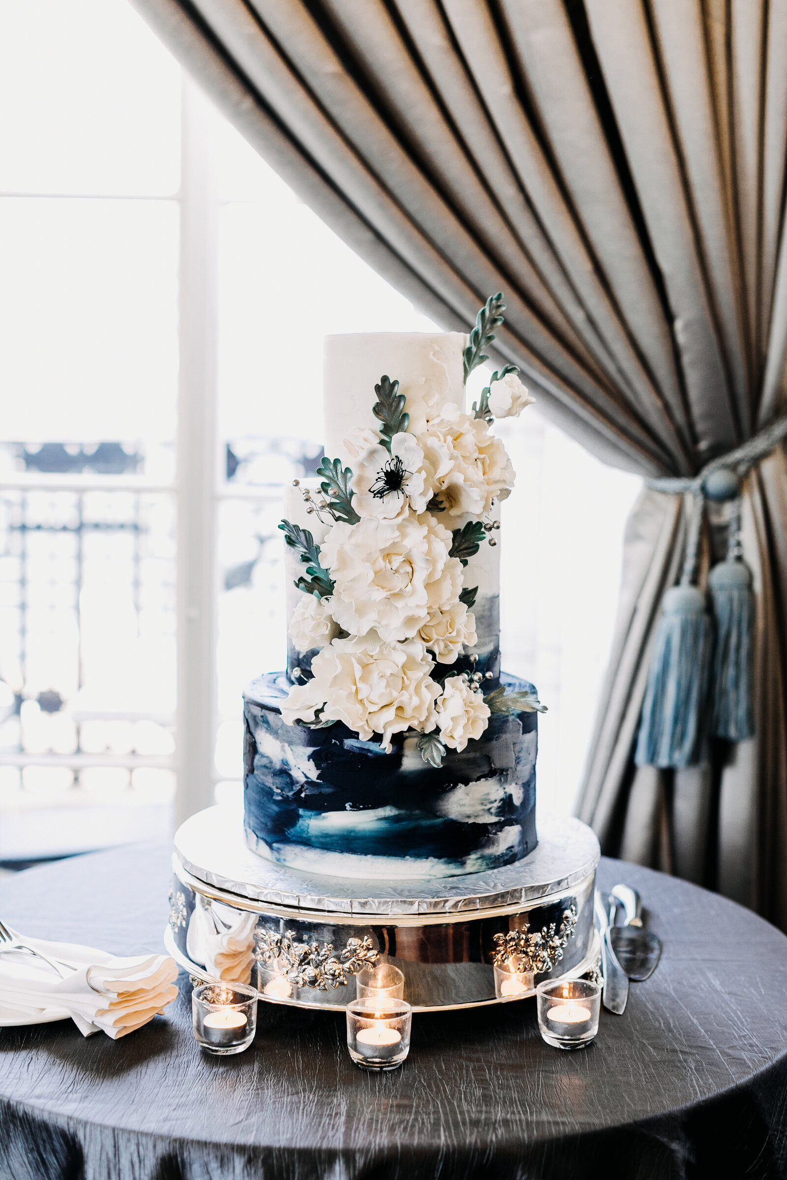 artistic modern wedding cake