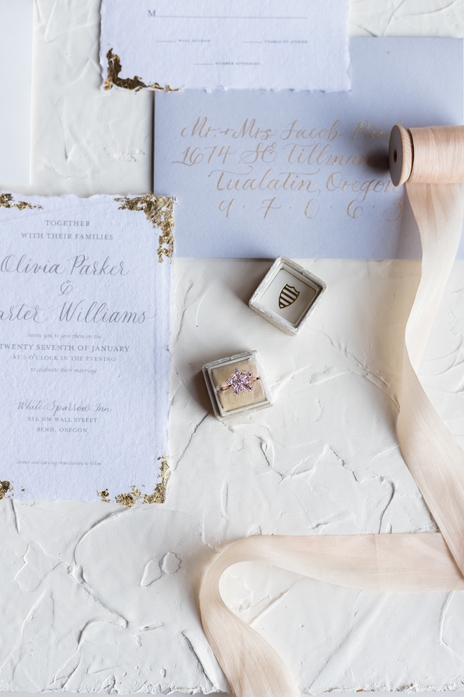 Bend Oregon Urban Winter Pastel Wedding-24