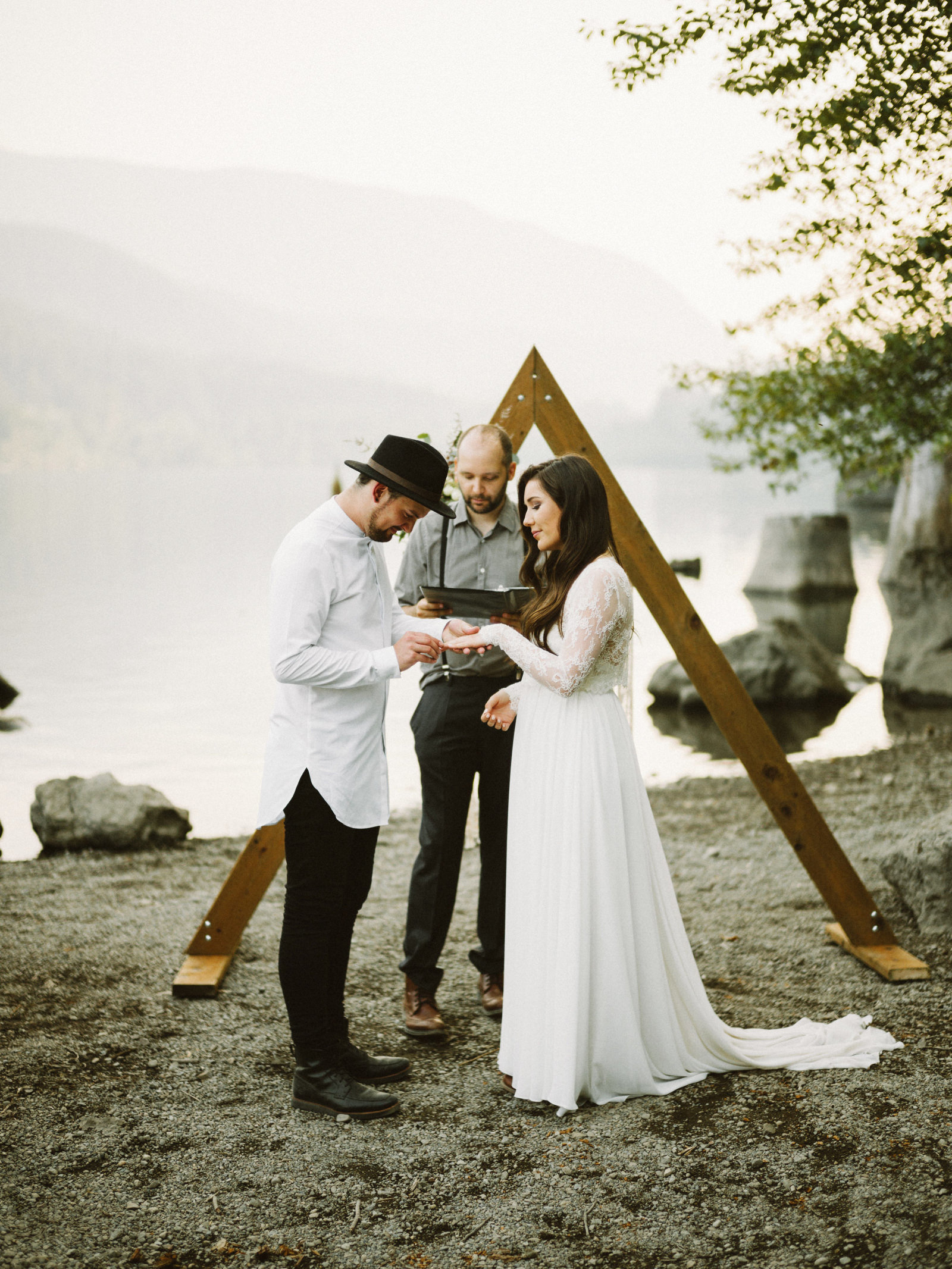 athena-and-camron-seattle-elopement-wedding-benj-haisch-rattlesnake-lake-christian-couple-goals51