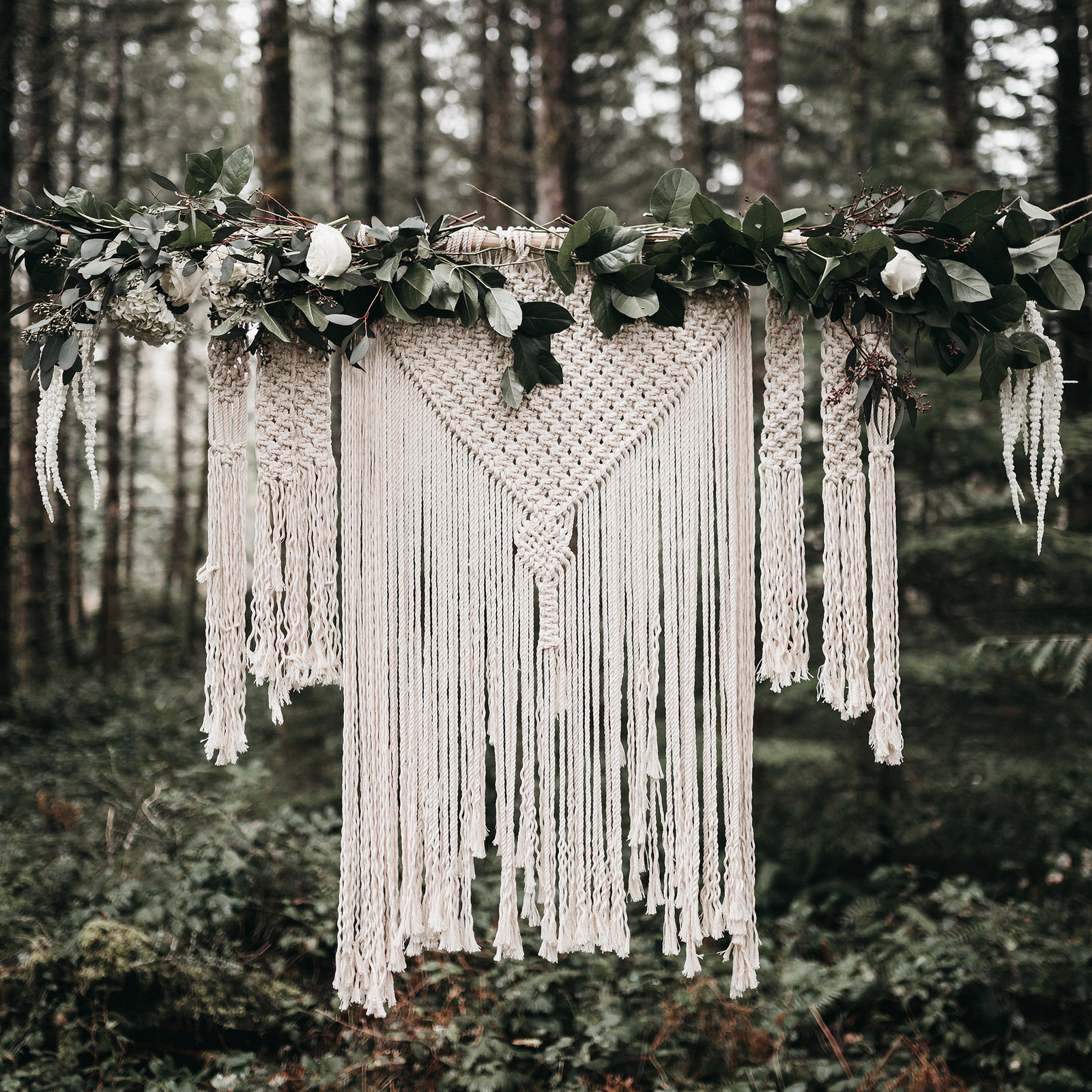 white-magazine-athena-camron-seattle-oregon-wedding-photography-woodlands-house-boho-elopement-inspiration-29
