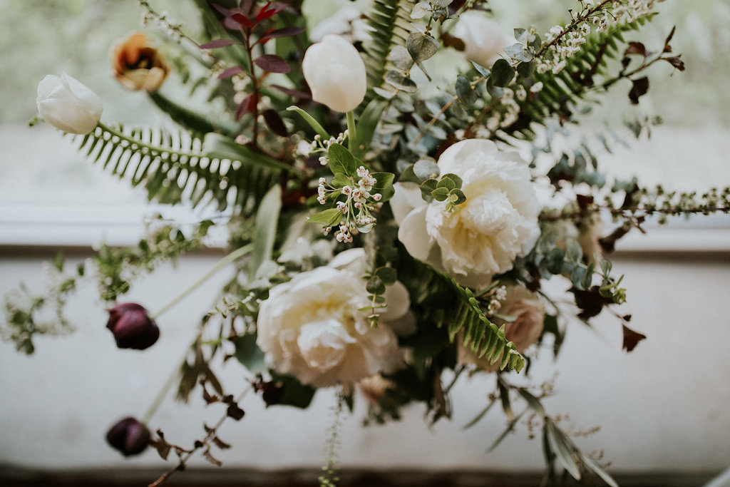 rustic-wedding-flowers-milwaukee-wisconsin-florist