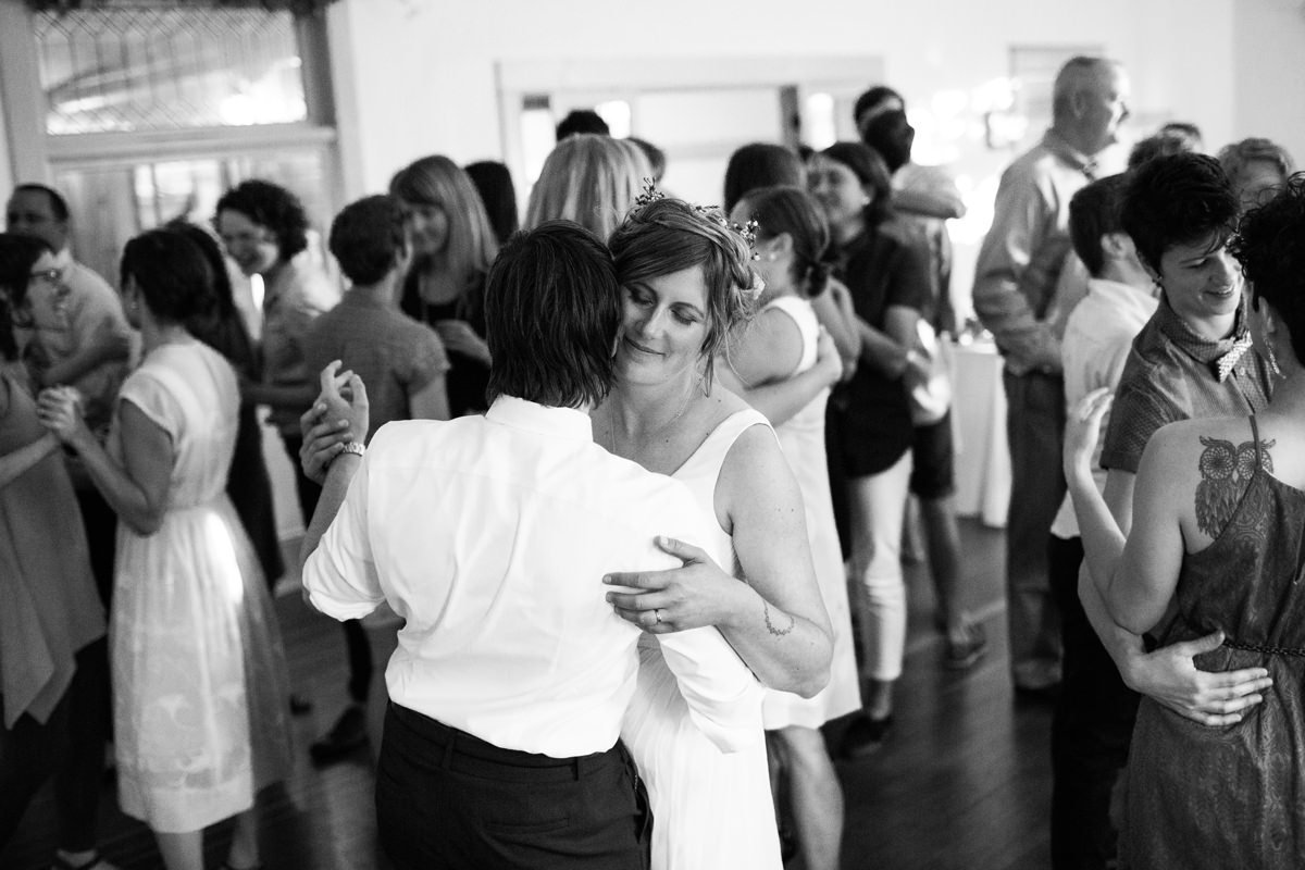 portland-oregon-fresh-candid-wedding-photography-95_1200