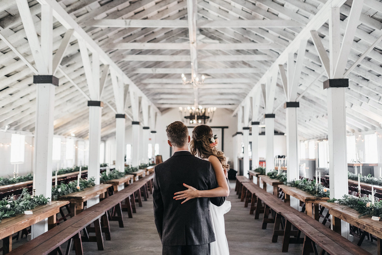 athena-and-camron-seattle-wedding-photographer-dairyland-snohomish-rustic-barn-wedding-flowers-styling-inspiration-lauren-madison-24