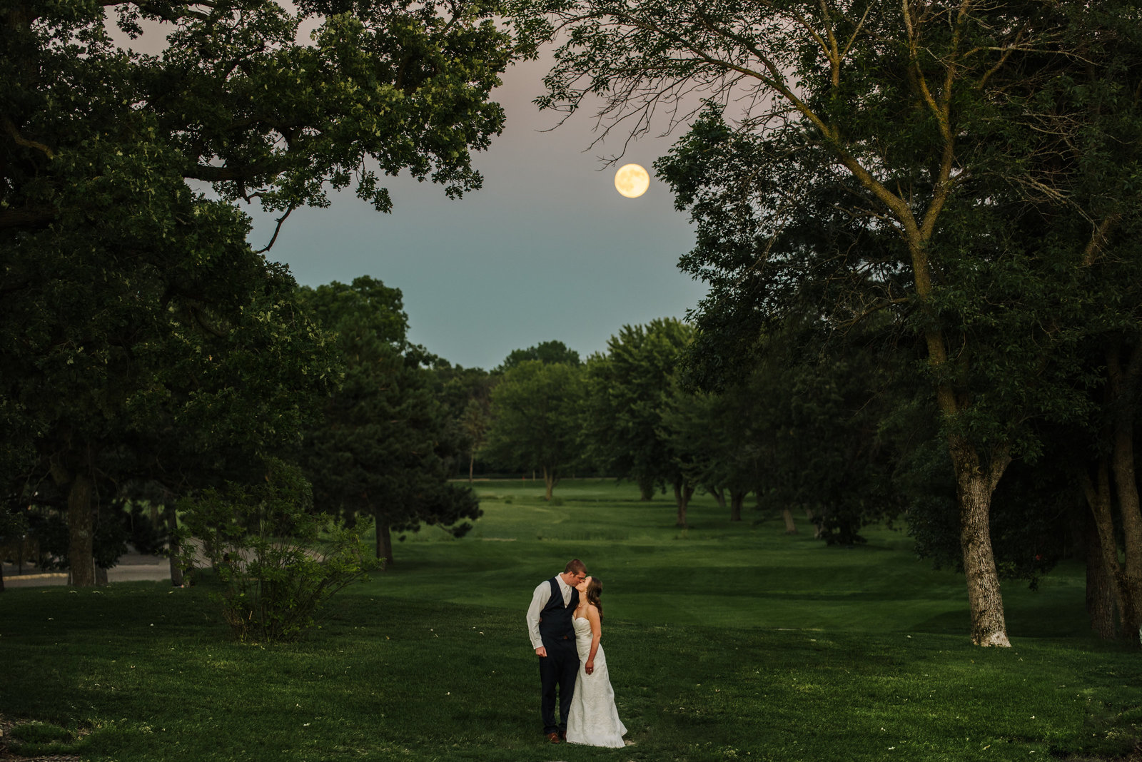 Minneapolis Wedding Photographer Moon_9144