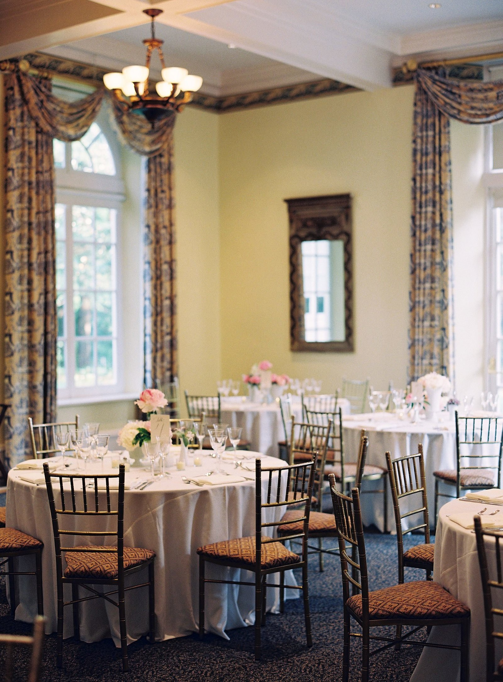 spring_wadsworth_mansion_sperry_tent_wedding_0071