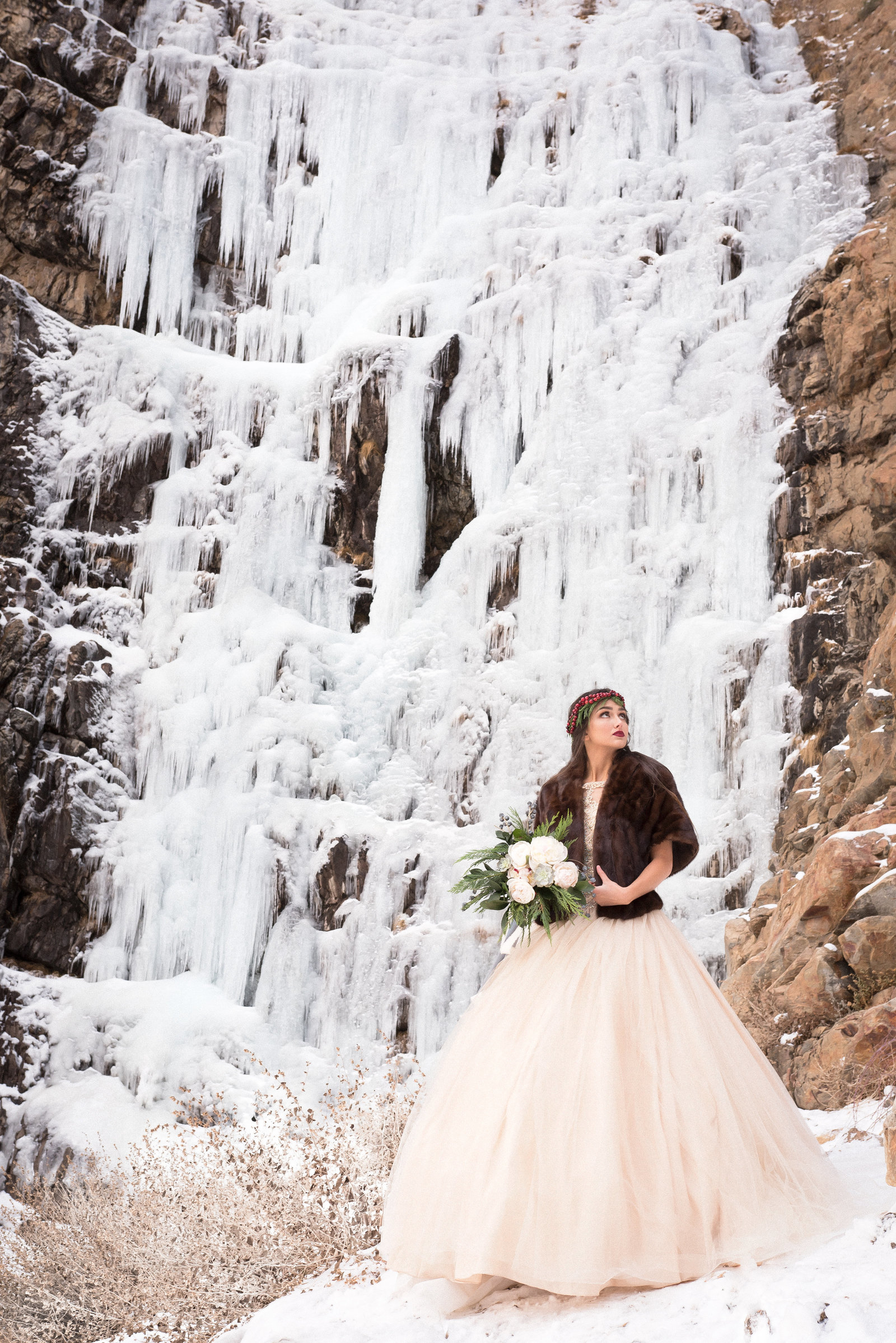 Kamera Lynn Photography Winter Cranberry Floral Crown Velvet Cake Frozen Waterfall Bridal Photoshoot_0016
