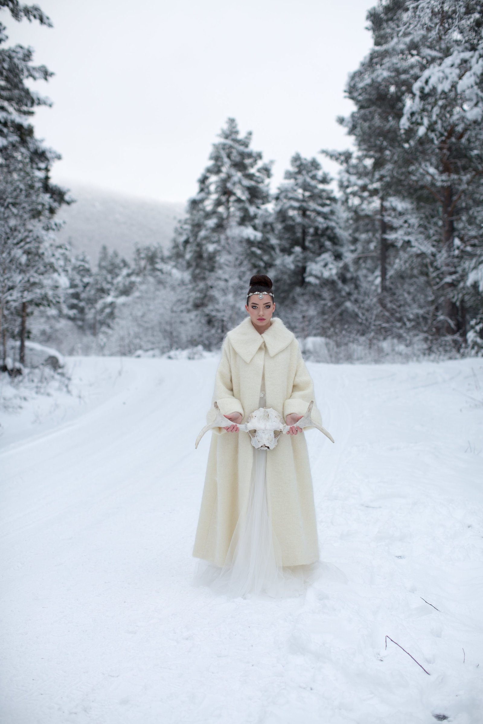 Chione-ivory-mohair-wool-winter-wedding-bridal-coat-JoanneFlemingDesign-MonaMoeMachavaPhoto (6)